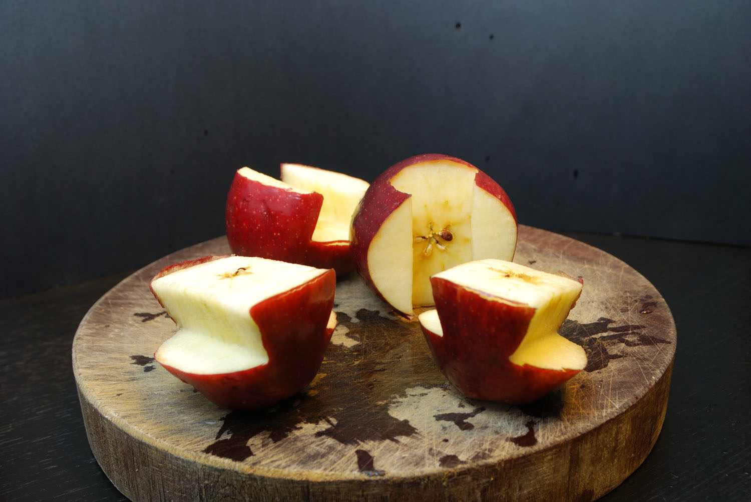 5. Swap the parts between the two apples.
