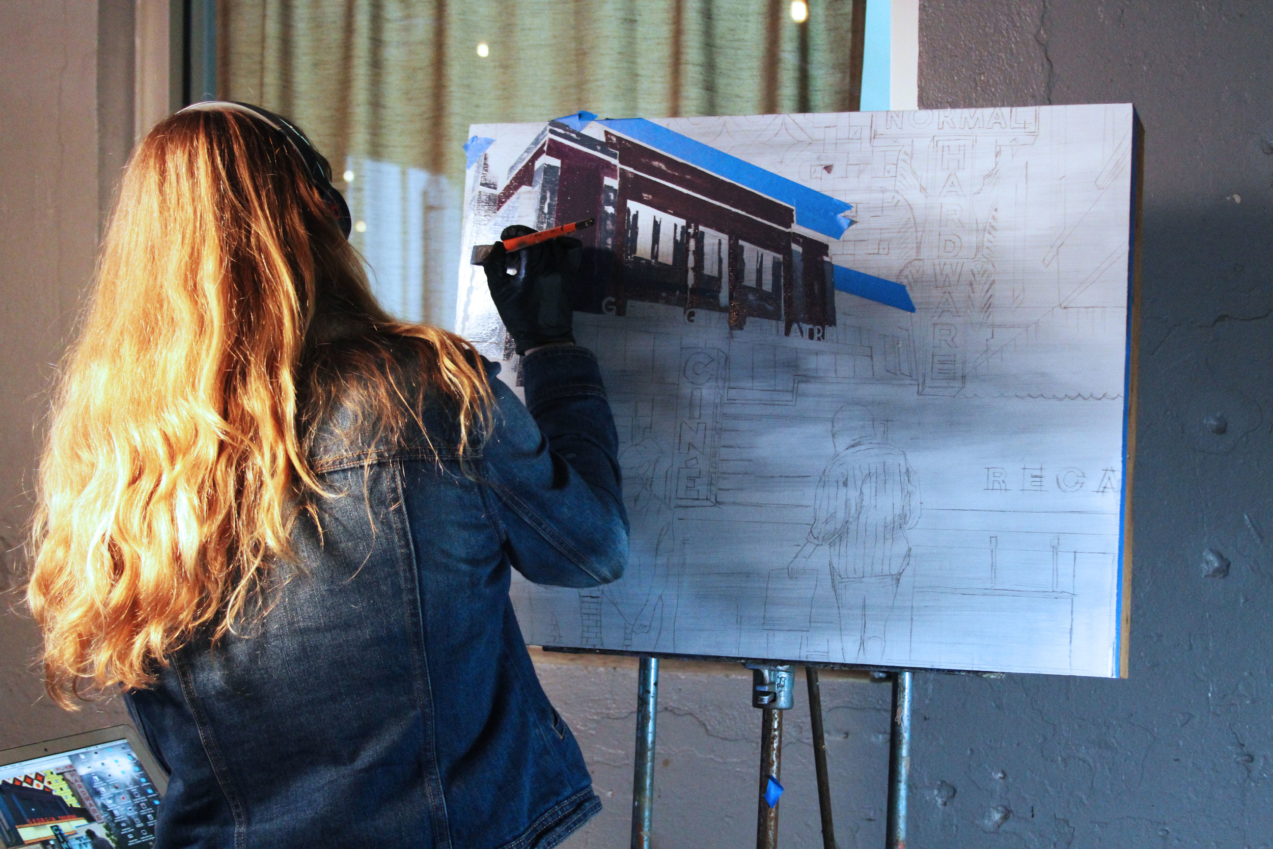 Live art with Michelle Fontaine with profits for silent auctioned art going to the Get Comfortable Fund