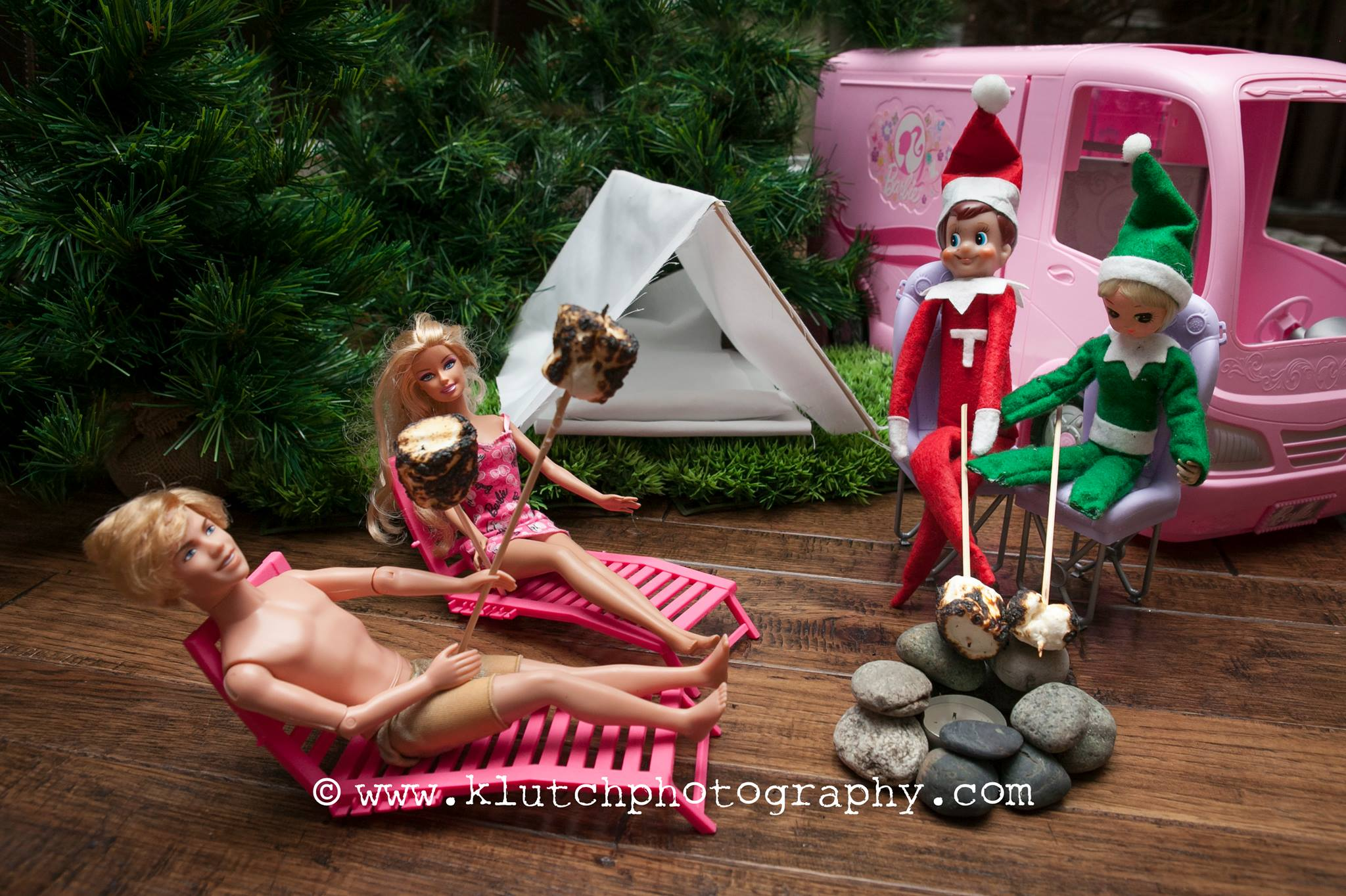 Klutch Photography, family photographer, elf on the shelf, vancouver family photographer, whiterock family photographer, lifeunscripted photographer, lifestlye photographer r.jpg