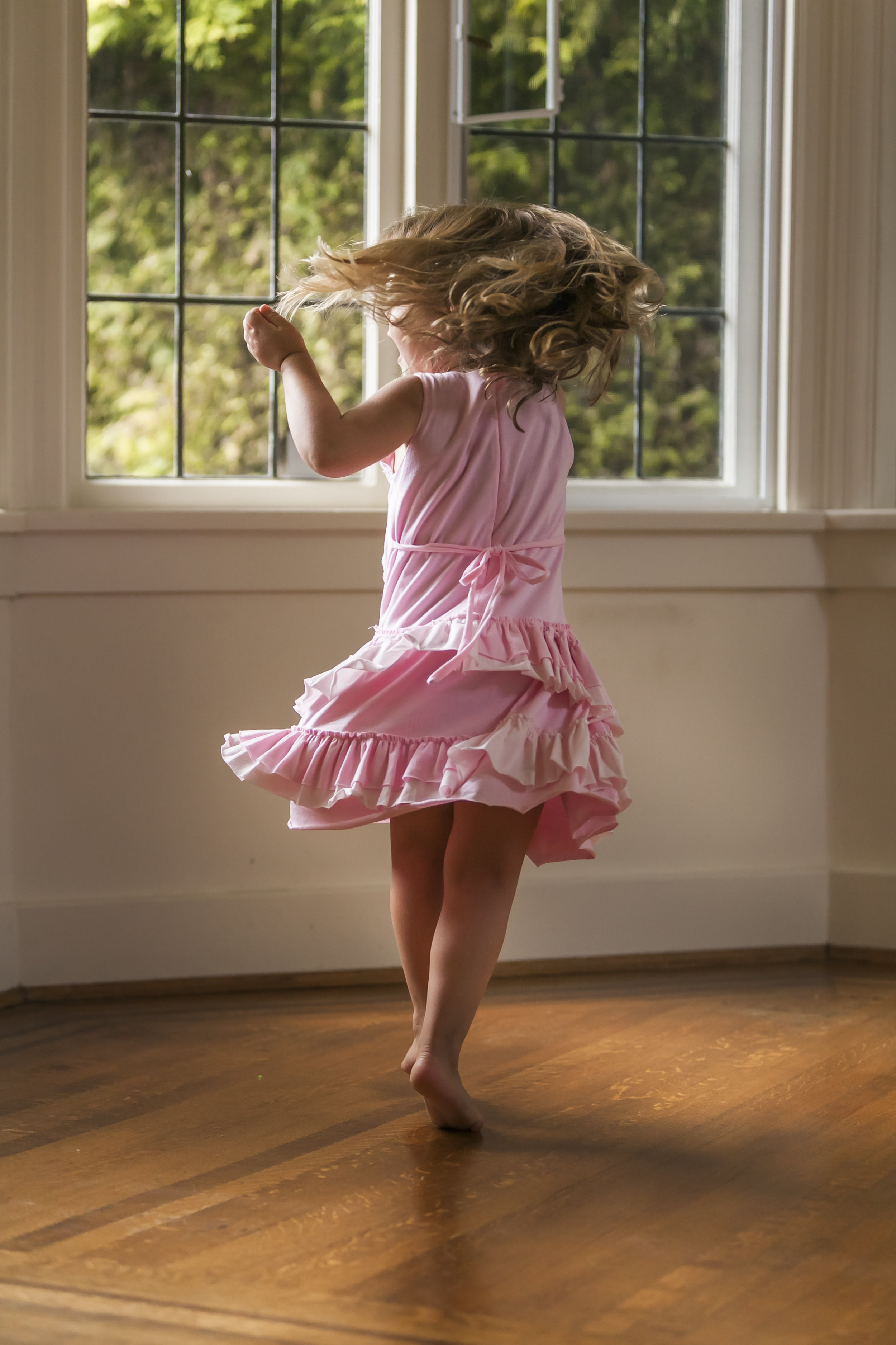 Surrey Family photographer. Vancouver family photographer, klutch Photography, documentary photography, candid photography, twirling girl