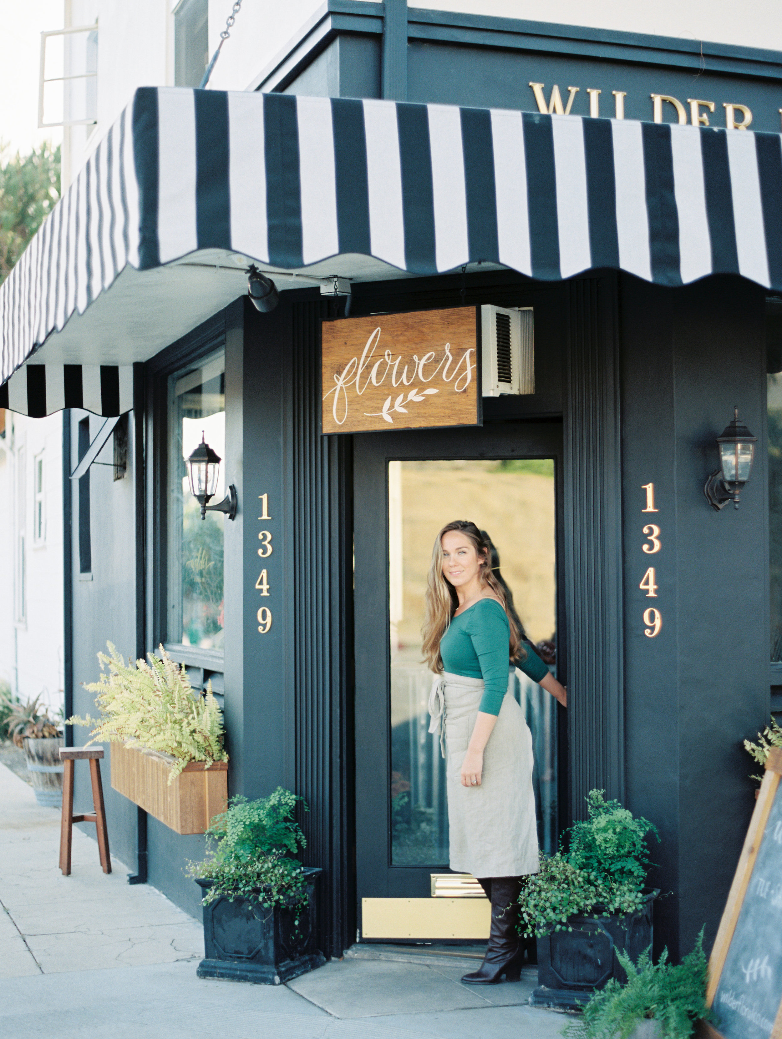Wilder Floral Co. is the artisan brand and flower shop of California designer Asha Renew.