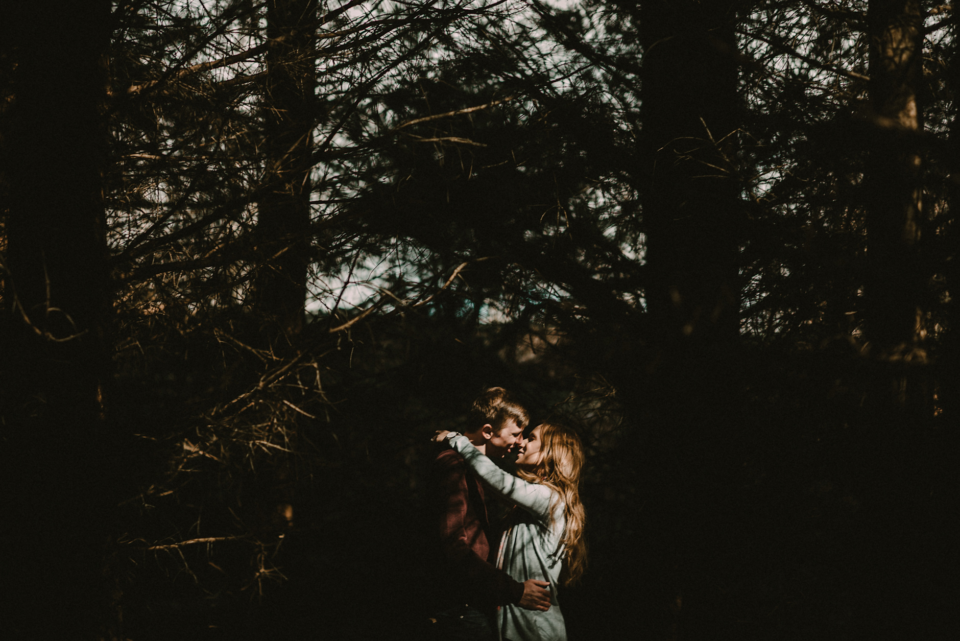 Alternative_Wedding_Photography_Scotland_Mark_and_Claire_Boturich_Castle-13.jpg