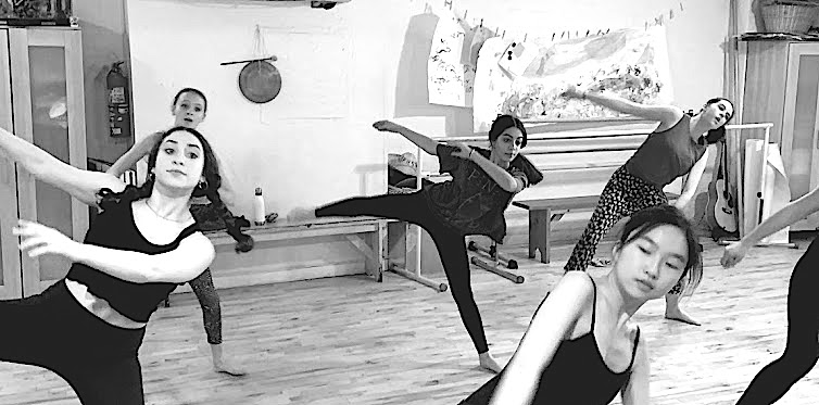 Chloe (center) in e.g.dance's Contemporary Dance class in March 2019.