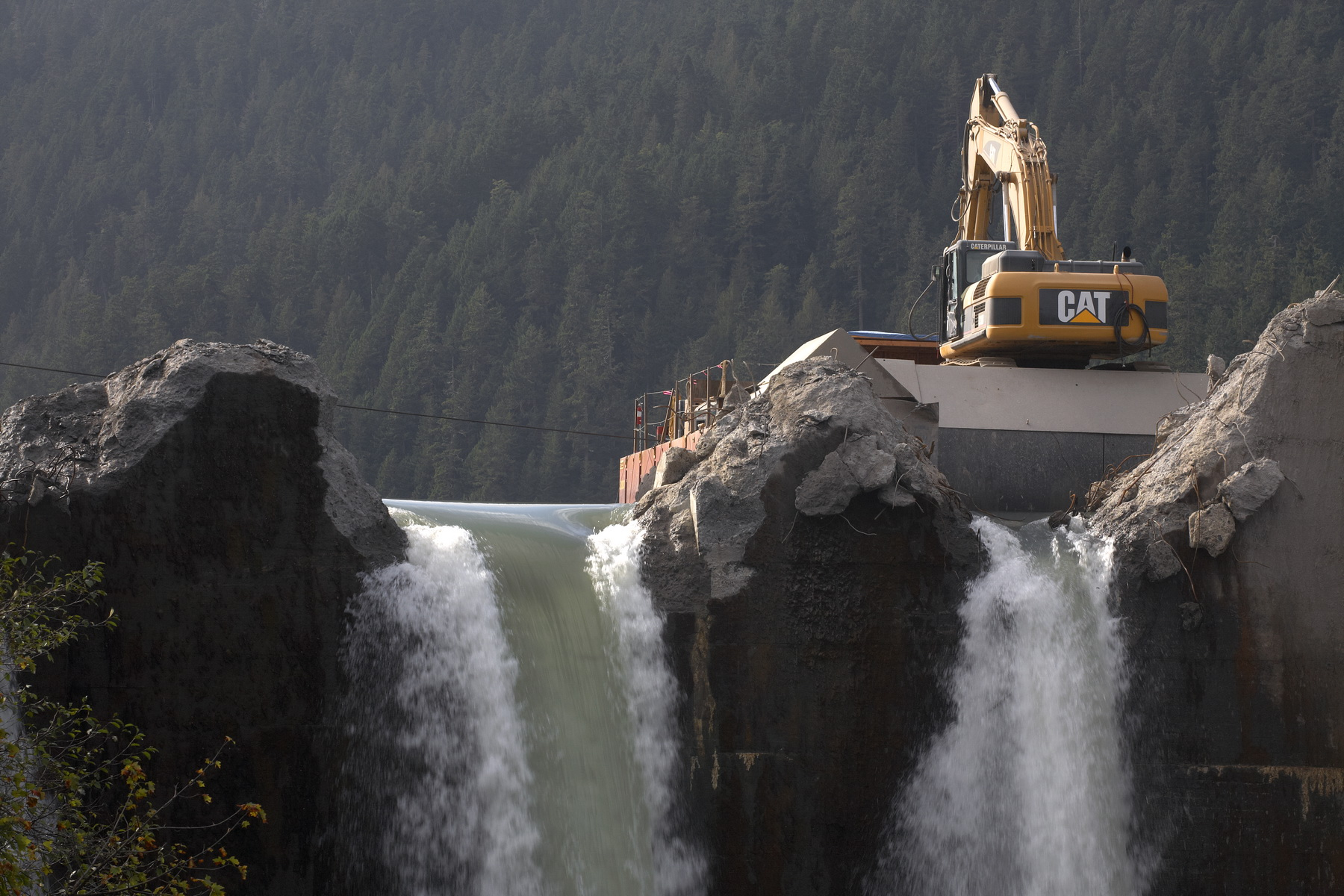 BEGINNING WORK ON REMOVAL AT GLINES DAM