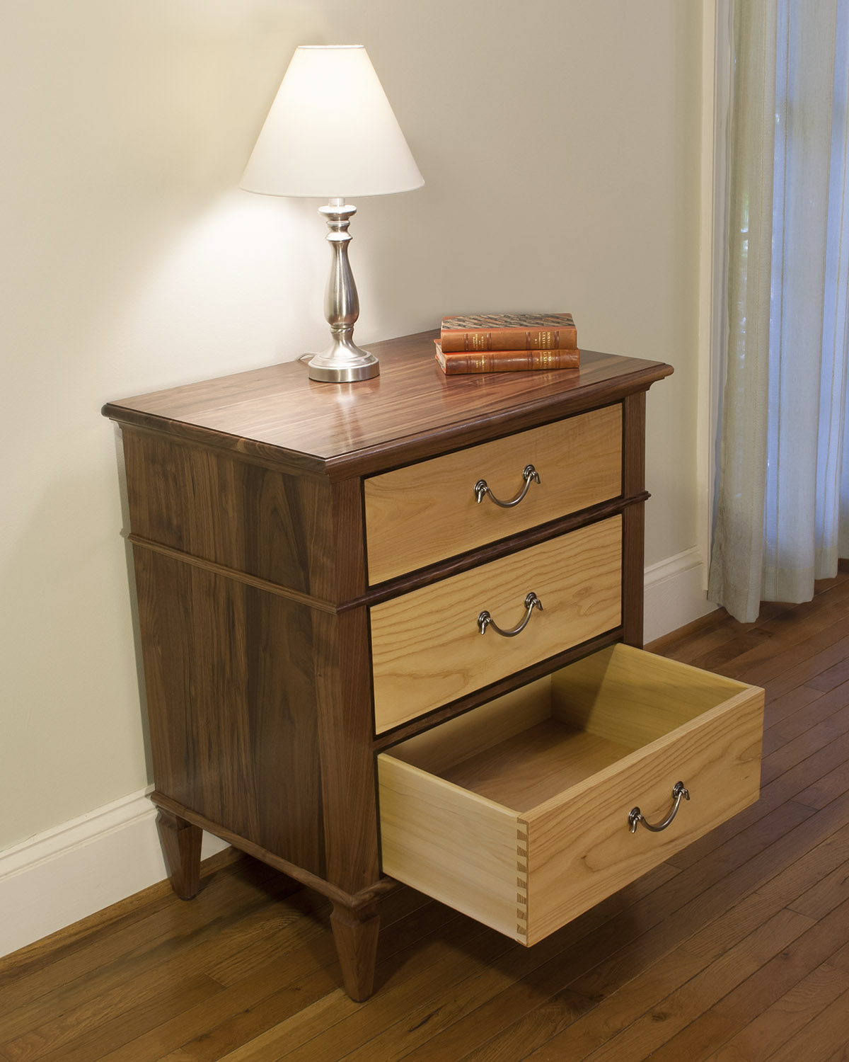 Traditional-Walnut-Bedroom-Set-A.jpg