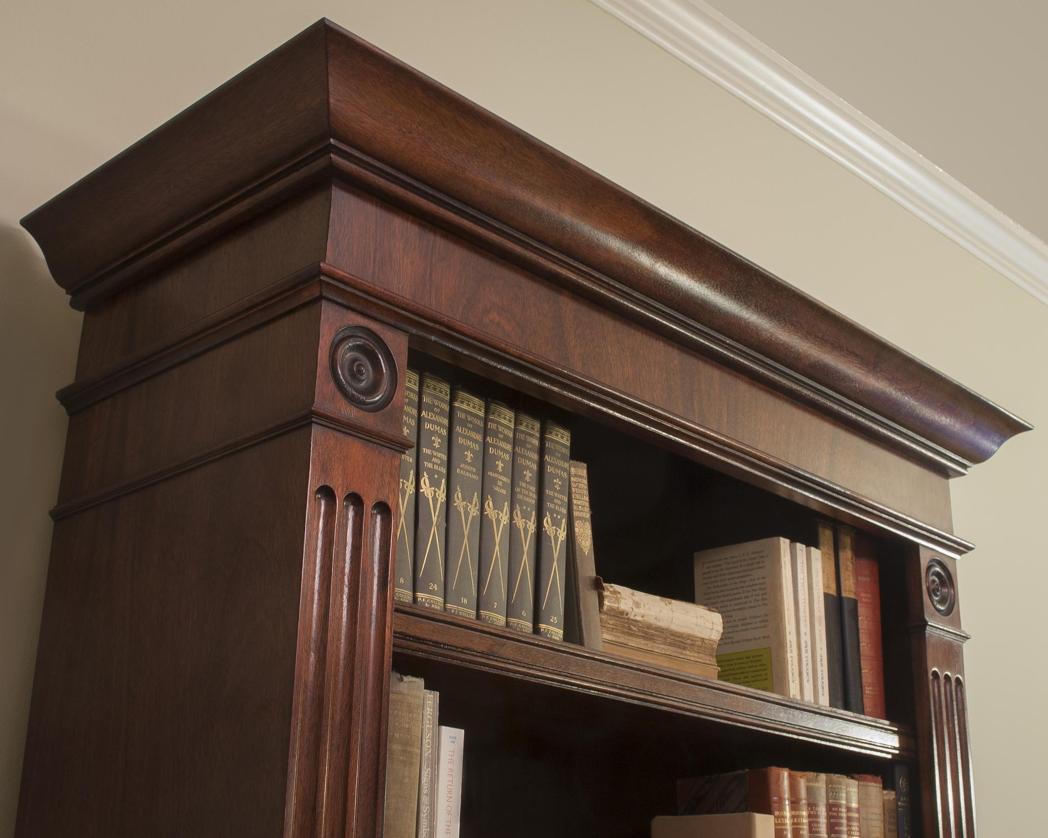 Traditional-mahogany-bookshelf-Detail.jpg