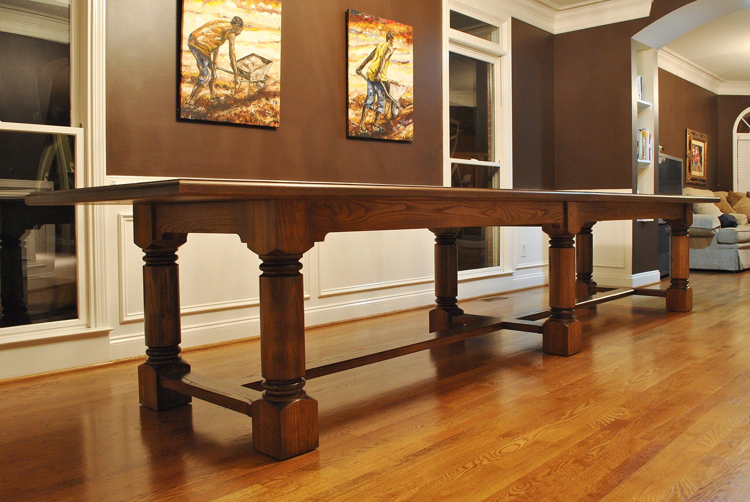 Traditional-Large-Dining-Table.jpg