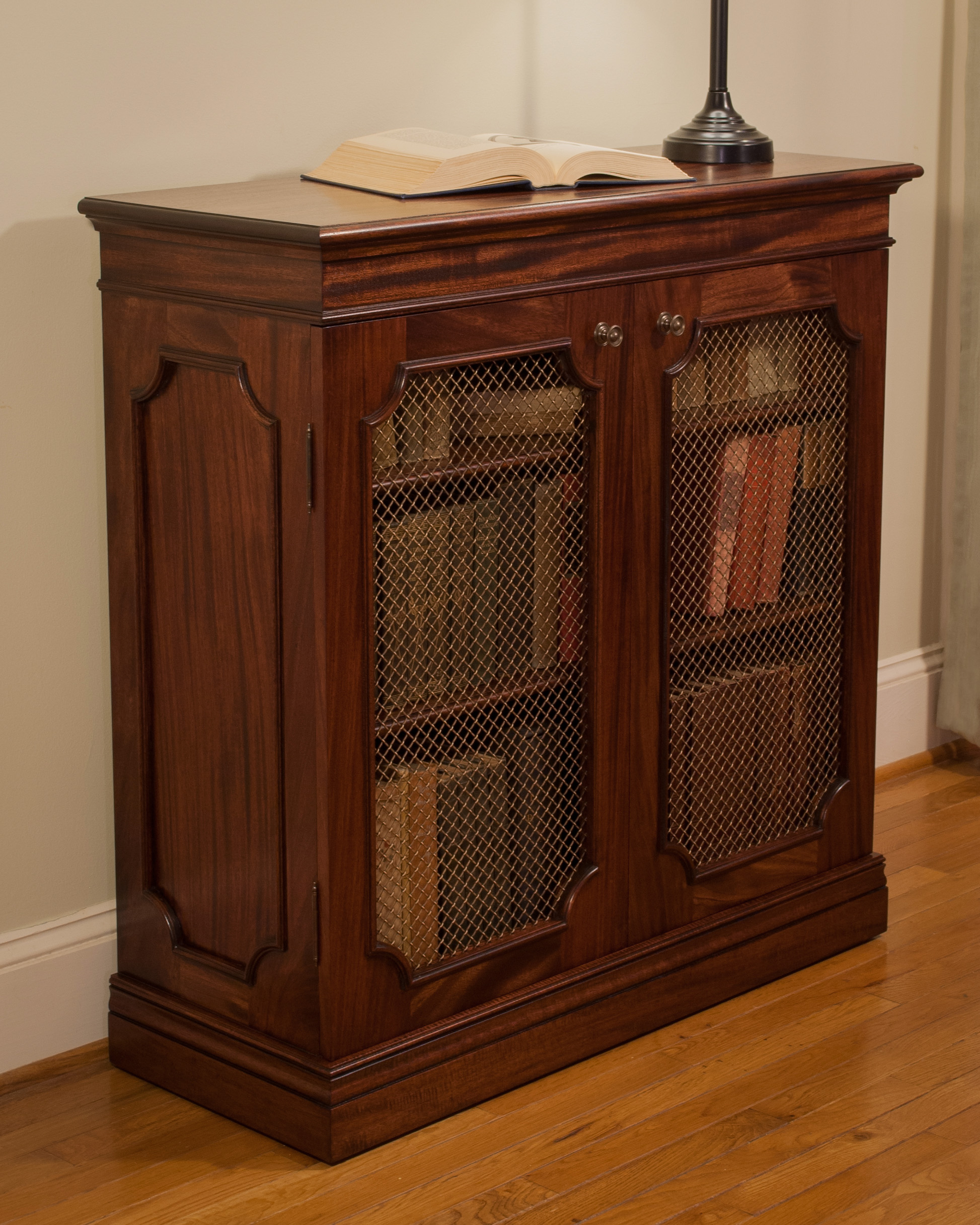 Traditional-Mahogany-Bookcase-Design-1.jpg