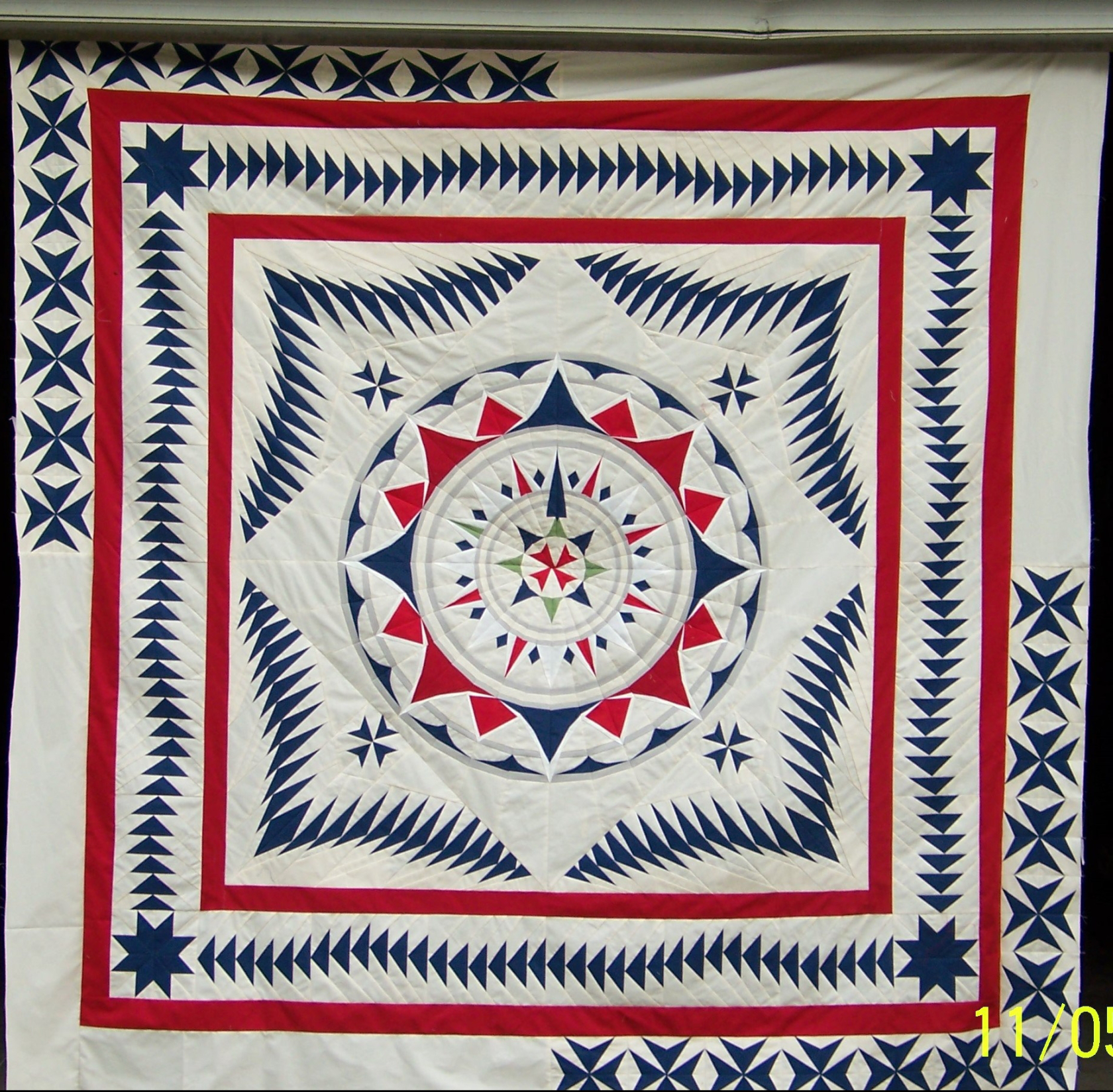 Denise's Wind Rose quilt from Week 40