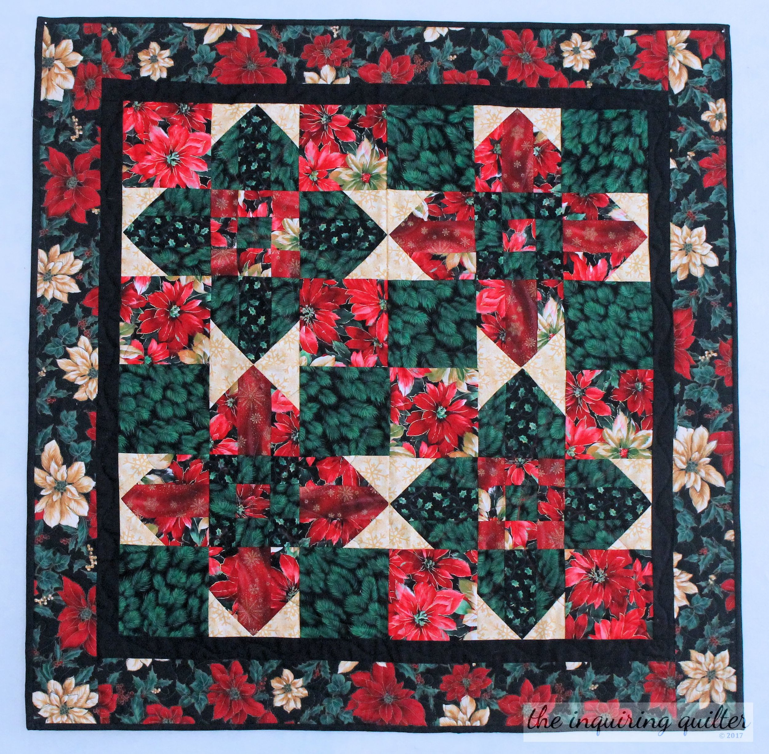 Christmas Cross is a variation of my  Berry Cross pattern , which you can purchase in  my store .