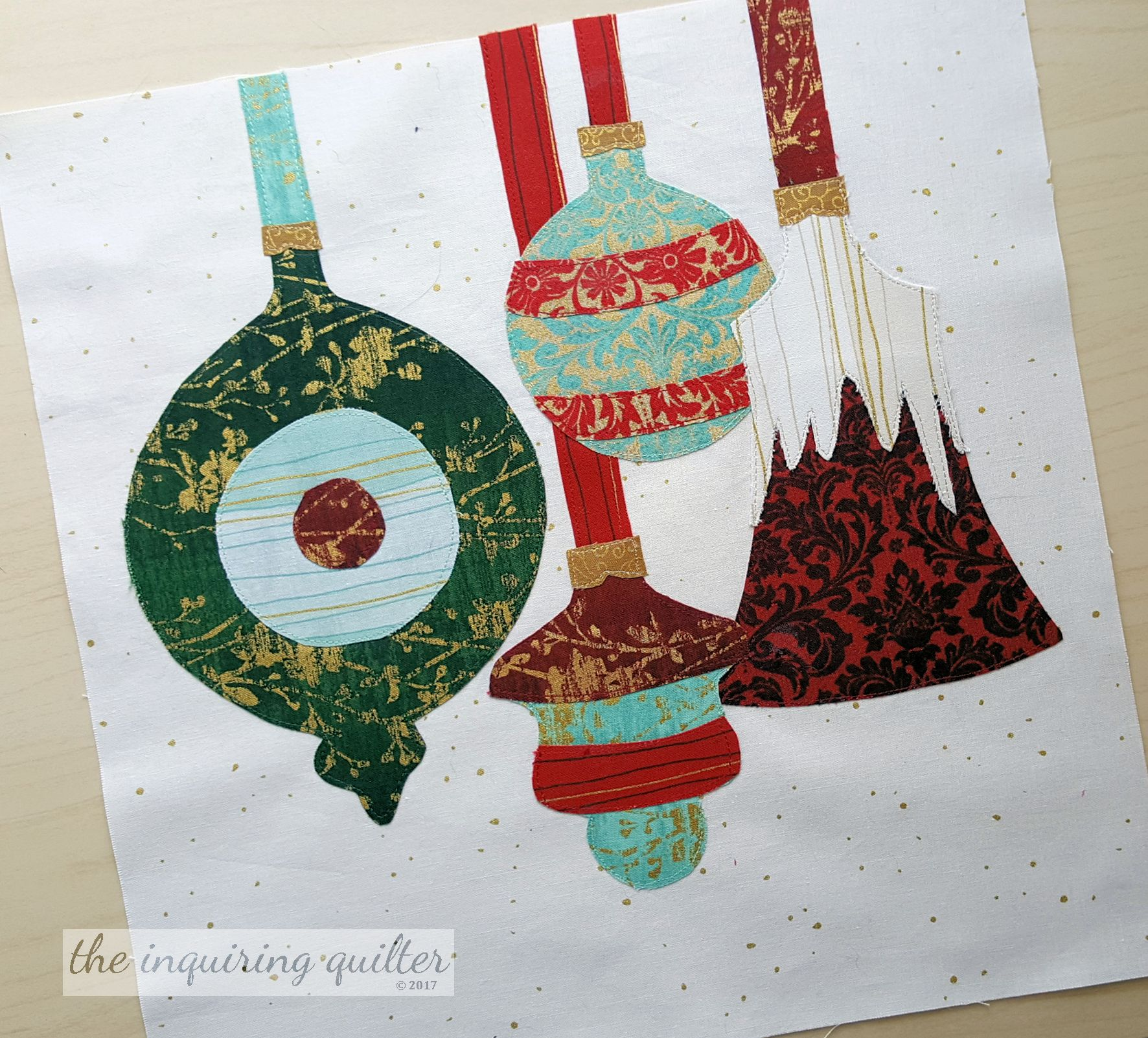 I created my Christmas Memories block pattern as part of the I Wish You a Merry Quilt Along with my Partners in Design