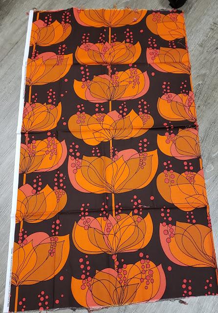 Janice big print quilt top 1.jpg