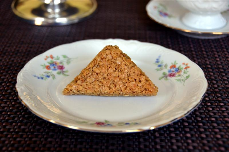 british flapjacks - ButterYum.  how to make british style flapjacks.  lyle's golden syrup recipe.
