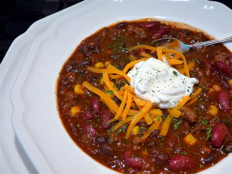 Black Bean Chipotle Chili - ButterYum. black bean chili recipe. chipotle chili recipe. how to make black bean chili.