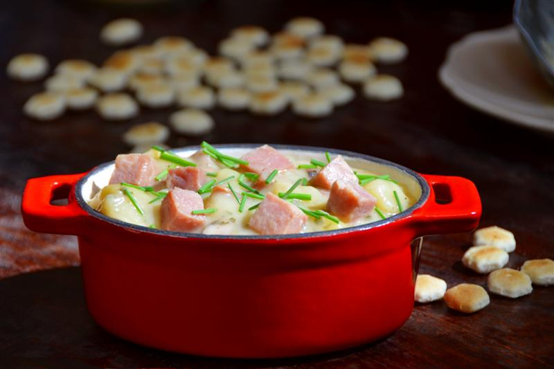 5-Star Ham and Potato Soup - ButterYum.  how to make the best ham and potato soup.  homemade potato soup recipes with ham.