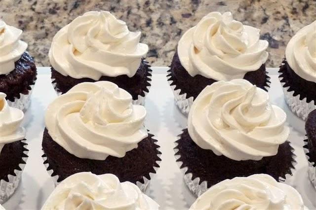 How to make italian meringue buttercream (IMBC) - ButterYum