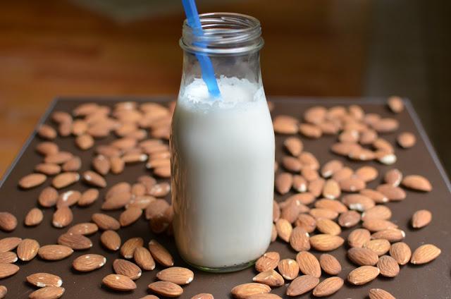 Homemade Almond Milk - ButterYum