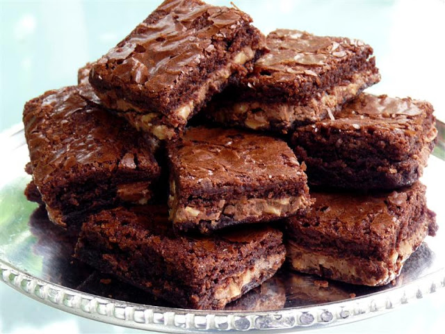 Symphony Brownies - ButterYum. easy candy bar brownie recipe.