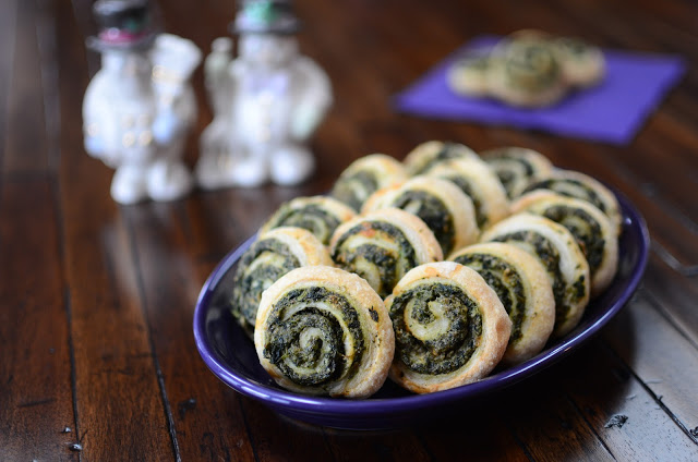 Cheesy Spinach and Mushroom Pinwheels - ButterYum