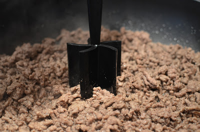 I find this nifty tool to be worth its weight in gold when cooking ground beef. It's called the Papered Chef mix and chop. A big shout out to my neighbor Denise for giving it to me - thanks Denise!!