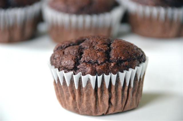 Chocolate Applesauce Muffins - ButterYum.  skinny chocolate muffin recipe.  how to make lighter chocolate muffins.