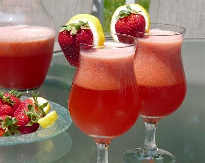 Quick Strawberry Lemonade