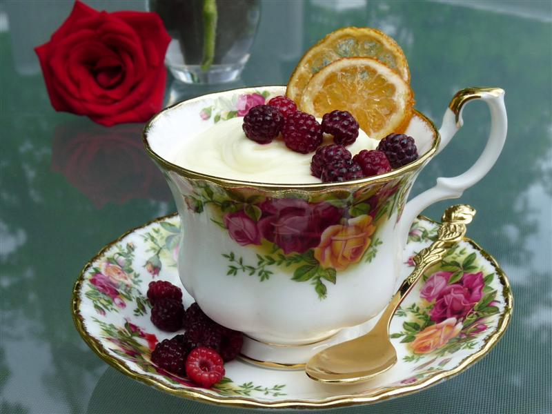 A variation of Martha's Quick Lemon Mousse with Candied Lemon Slices by ButterYum