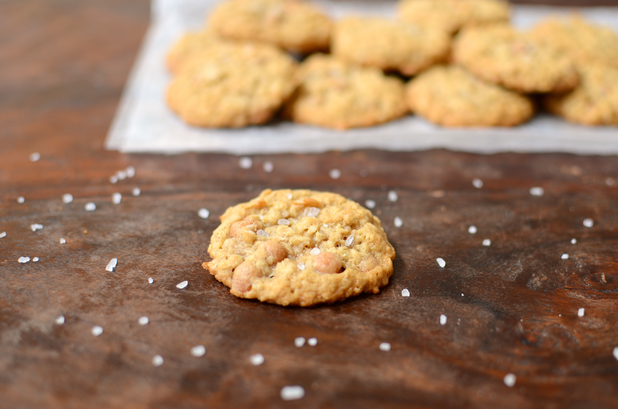 Salted Caramel Oatmeal Cookies - ButterYum