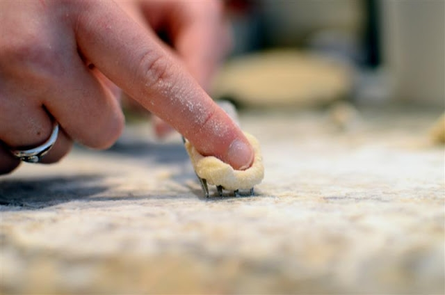Homemade Gnocchi Tutorial - ButterYum. how to make gnocchi at home. potato gnocchi recipe. step-by-step gnocchi directions. how do you make gnocchi?