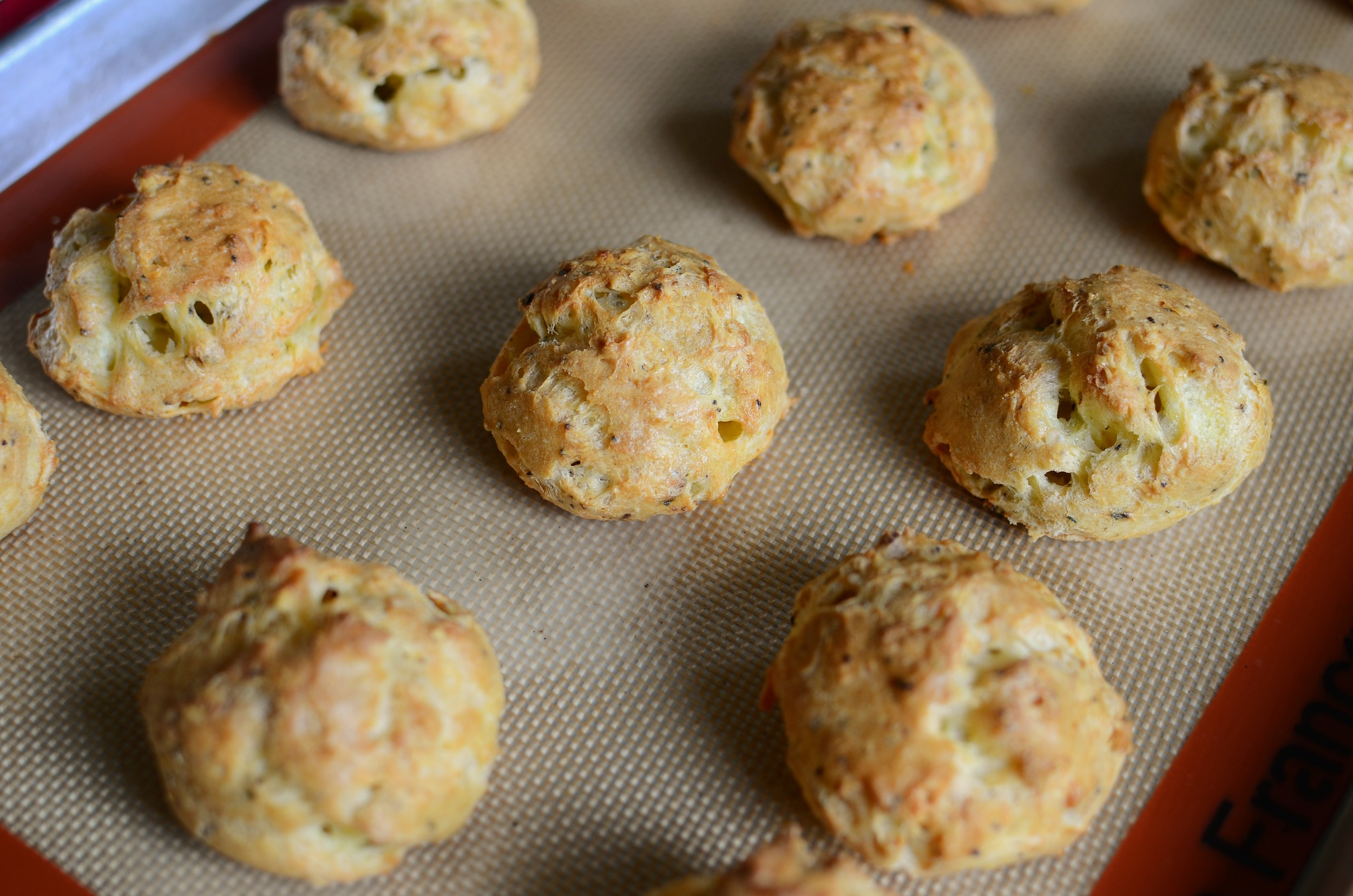 Black Pepper and Chive Gougeres (Savory Cheese Puffs) - ButterYum