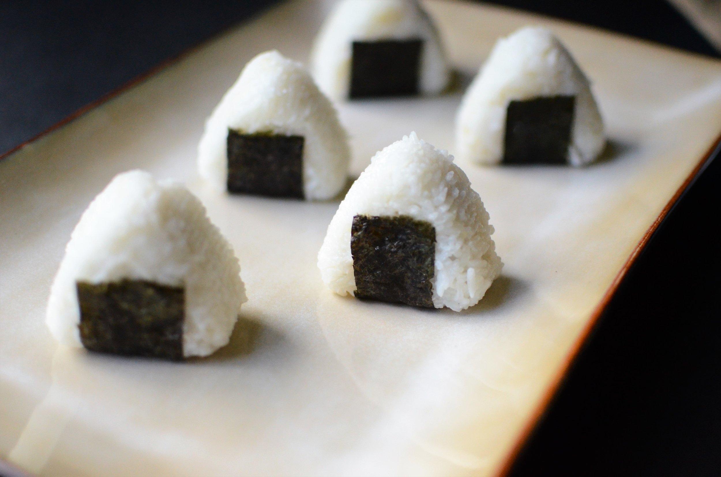 Onigiri - ButterYum. how to make Japanese rice balls. stuffed rice balls. onigir recipe. rice balls stuffed with savory filling recipe. Japanese recipe. japanese rice recipe.