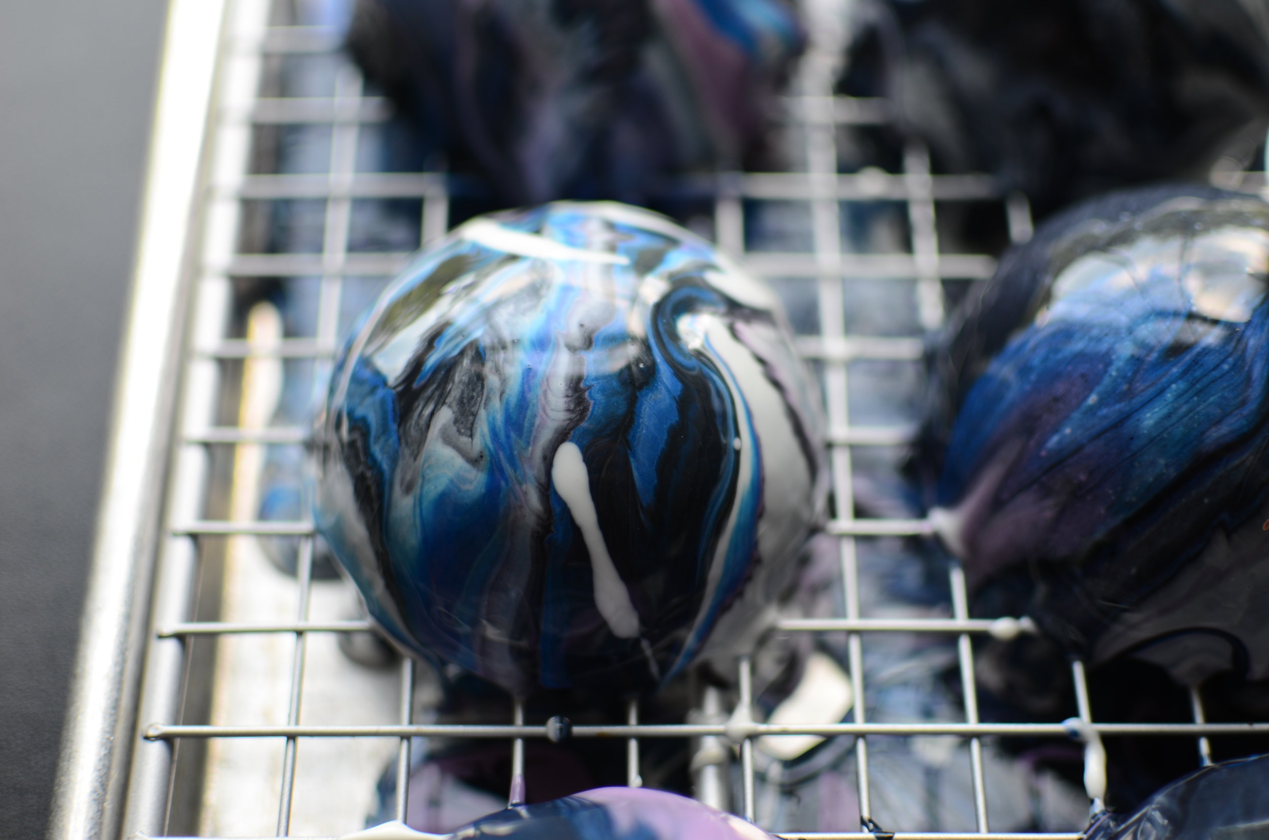 Galaxy Mirror Glaze Cake(s) - ButterYum. how to make galaxy glaze. recipe for mirror glaze.