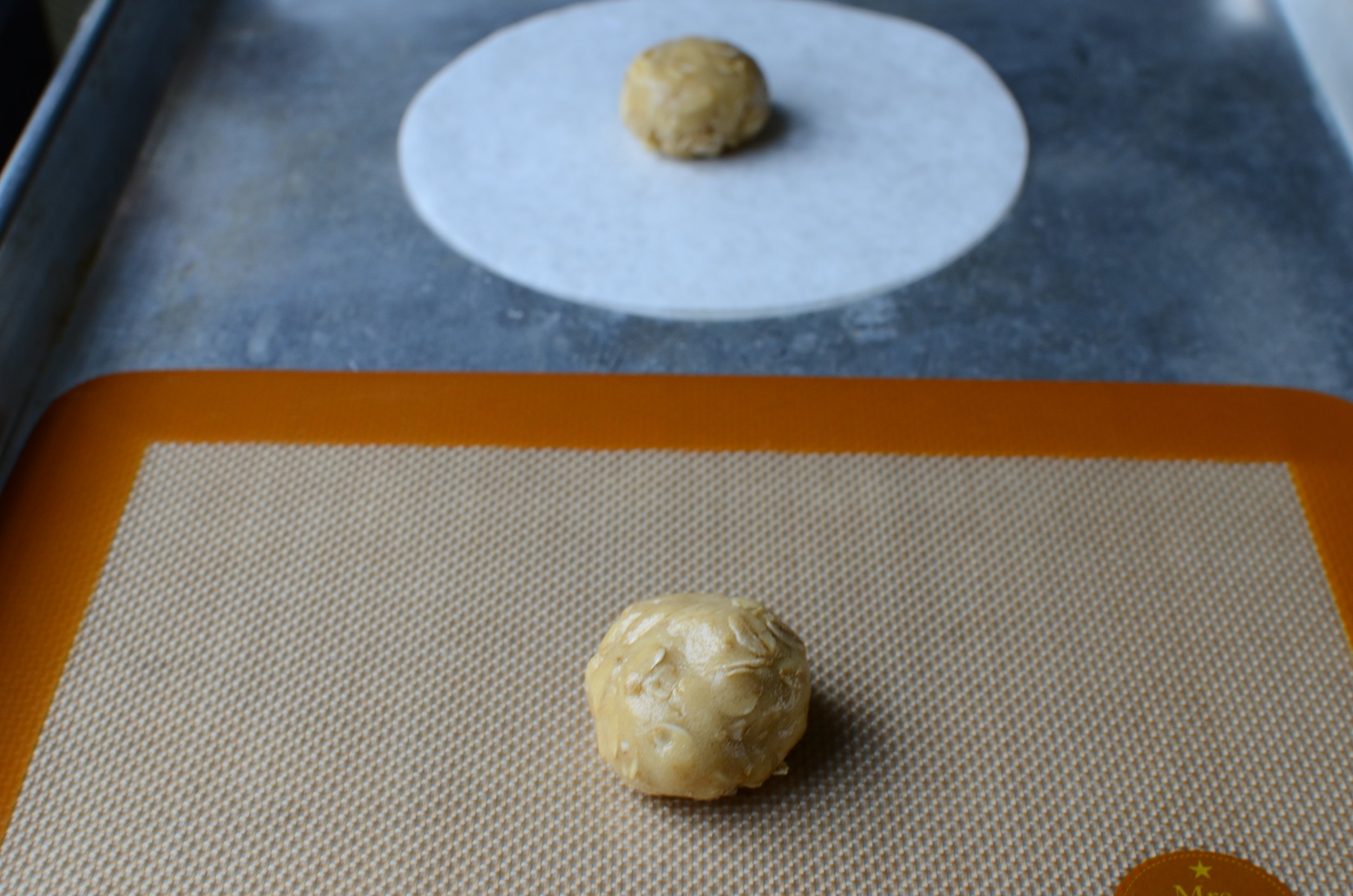what's the best surface to bake cookies on?