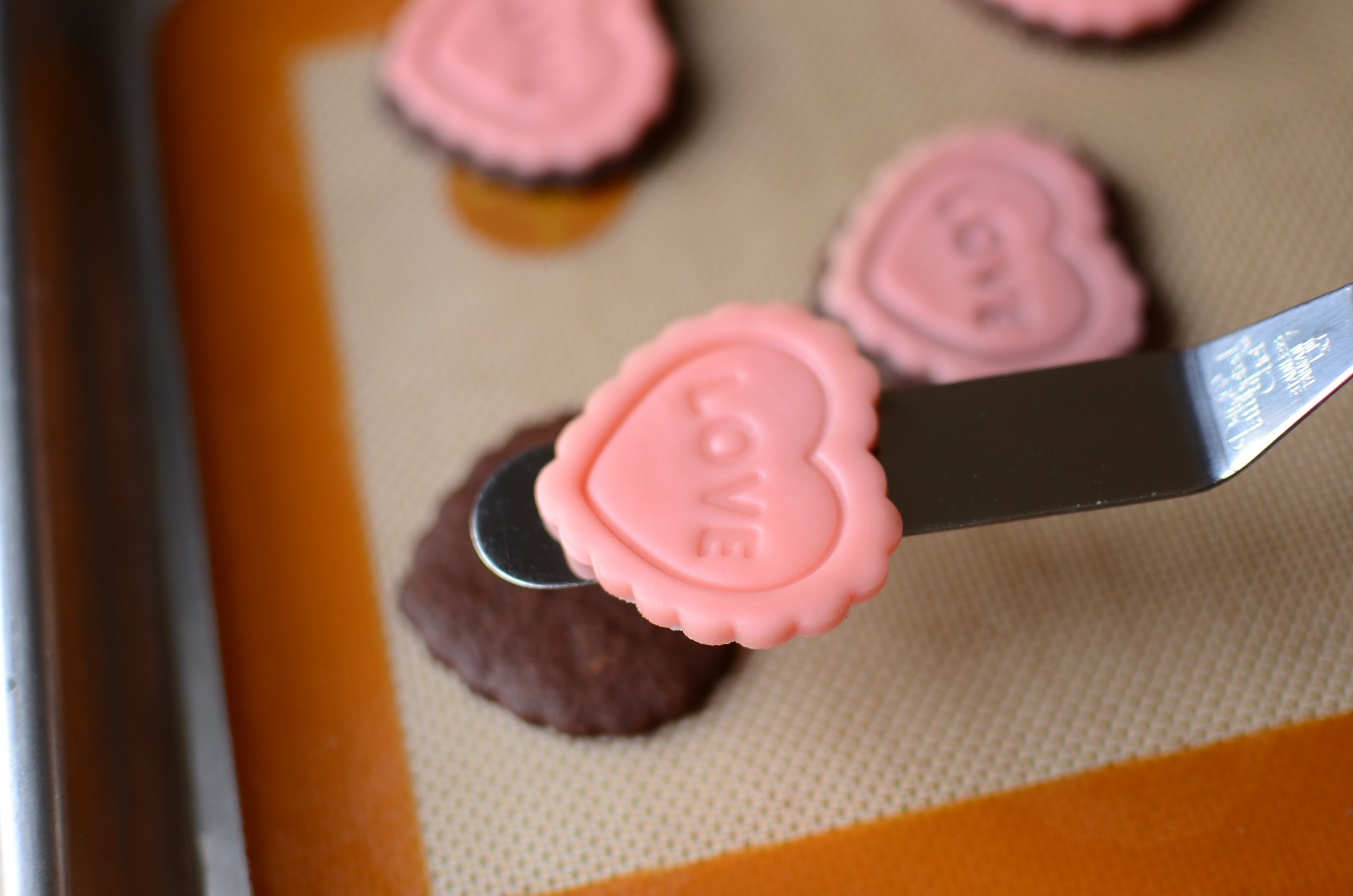The easiest way to decorate cookies ever!