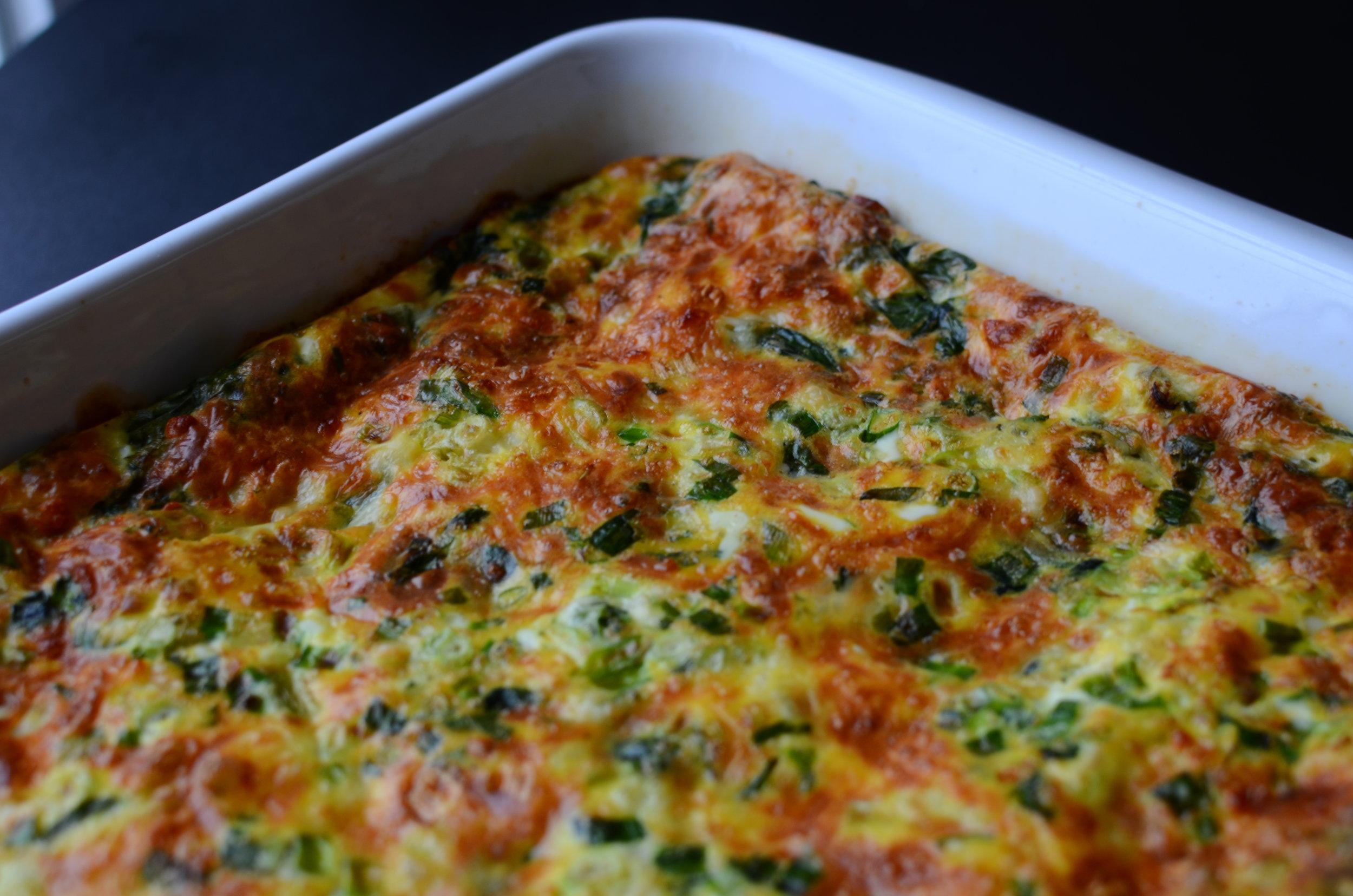 Keto egg casserole recipe. keto spinach and cheese bake recipe. keto spinach and cheese egg casserole. keto easter breakfast recipe. keto egg recipe. keto baked eggs with spinach and cheese.