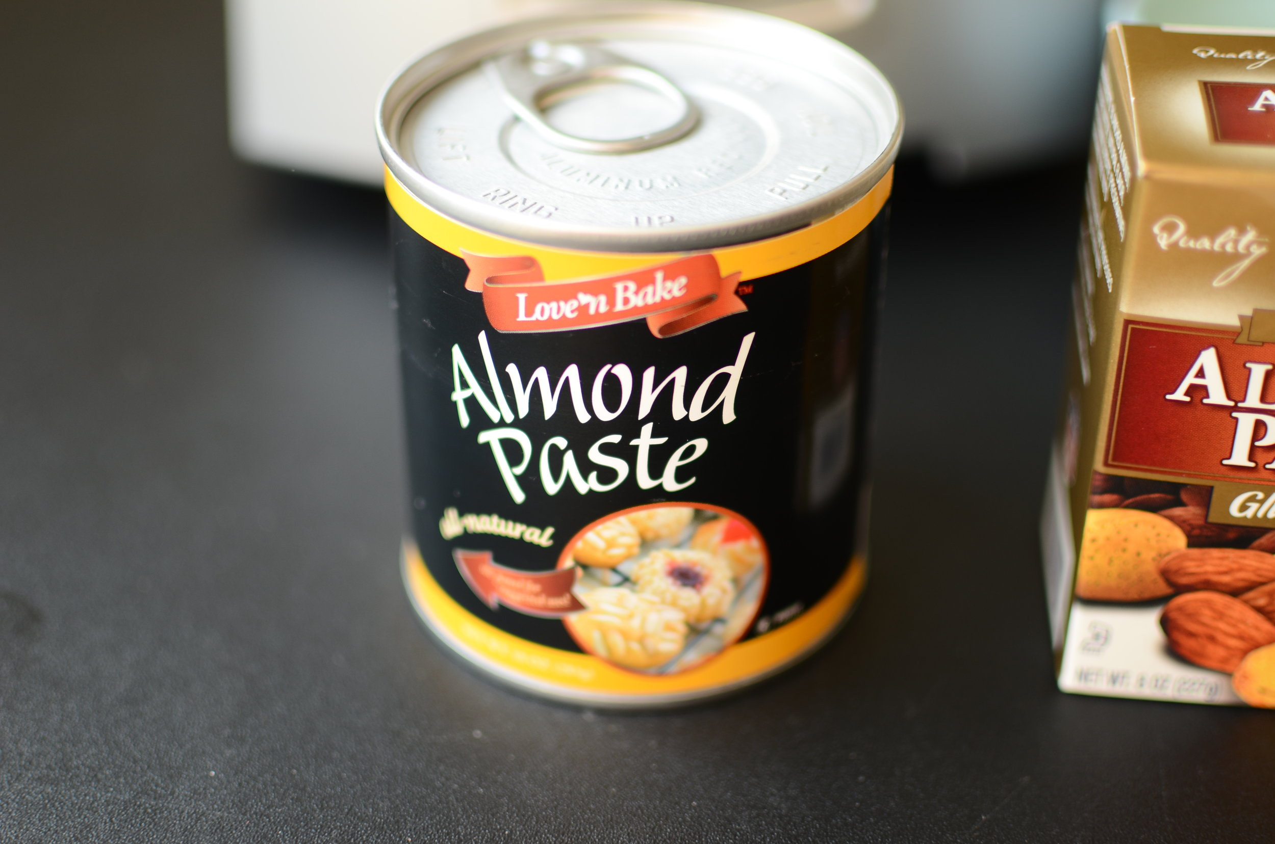 italian cookie recipe that uses almond paste. what to do with almond paste. how to use almond paste.