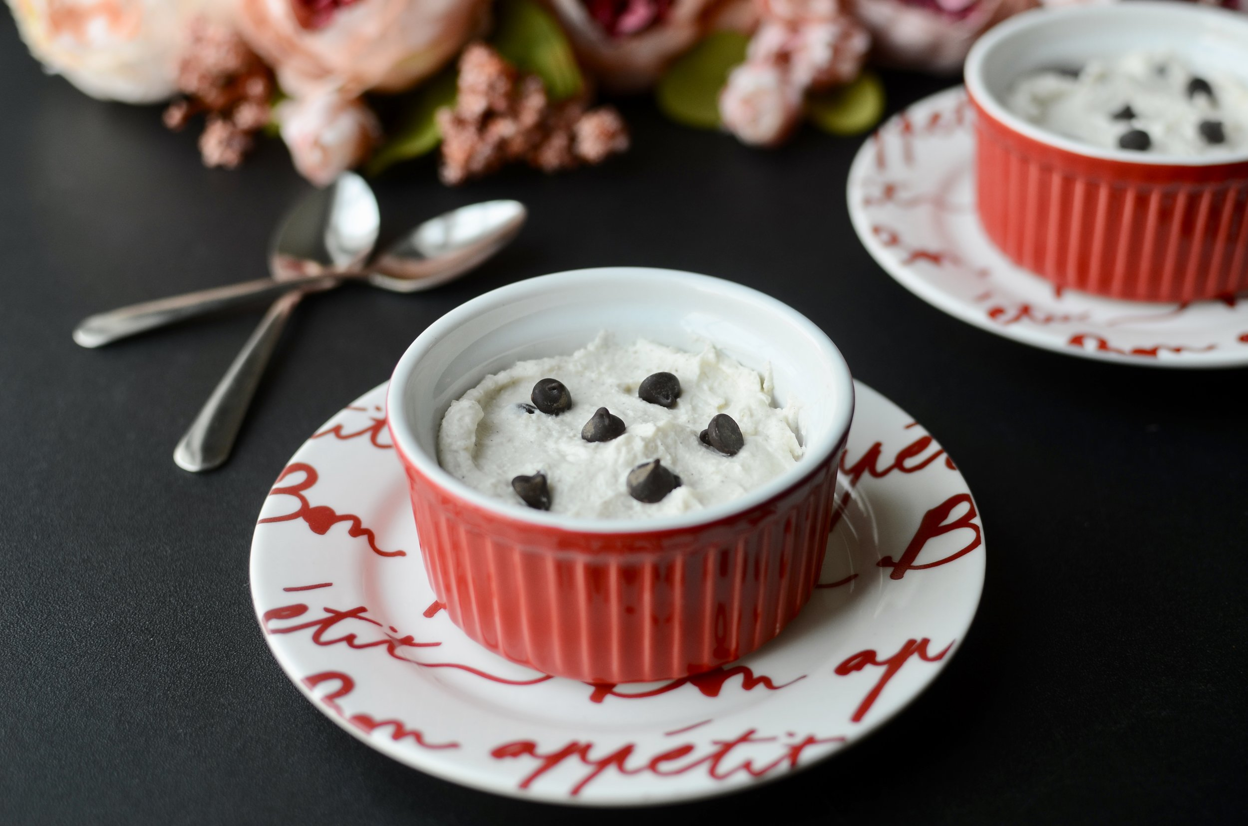 how to make keto cannoli dessert. keto cannoli filling. keto cannoli recipe. keto dessert with mascarpone cheese. keto valentine's day dessert recipe. keto valentine dessert ideas. keto friendly valentine dessert.