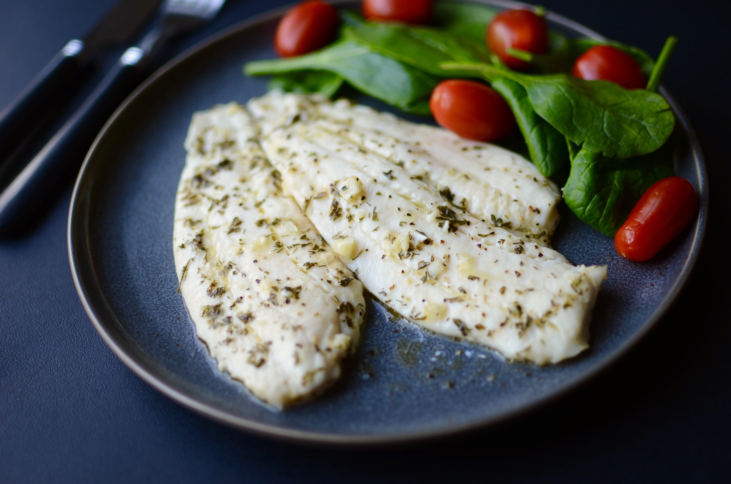 Oven Baked Flounder with Lemon and Dill recipe. how to make flounder. delicious flounder recipe. how to cook flounder. cooking flounder in the oven. baking flounder. flounder recipe. recipe for flounder fillets. how to cook flounder fillets?