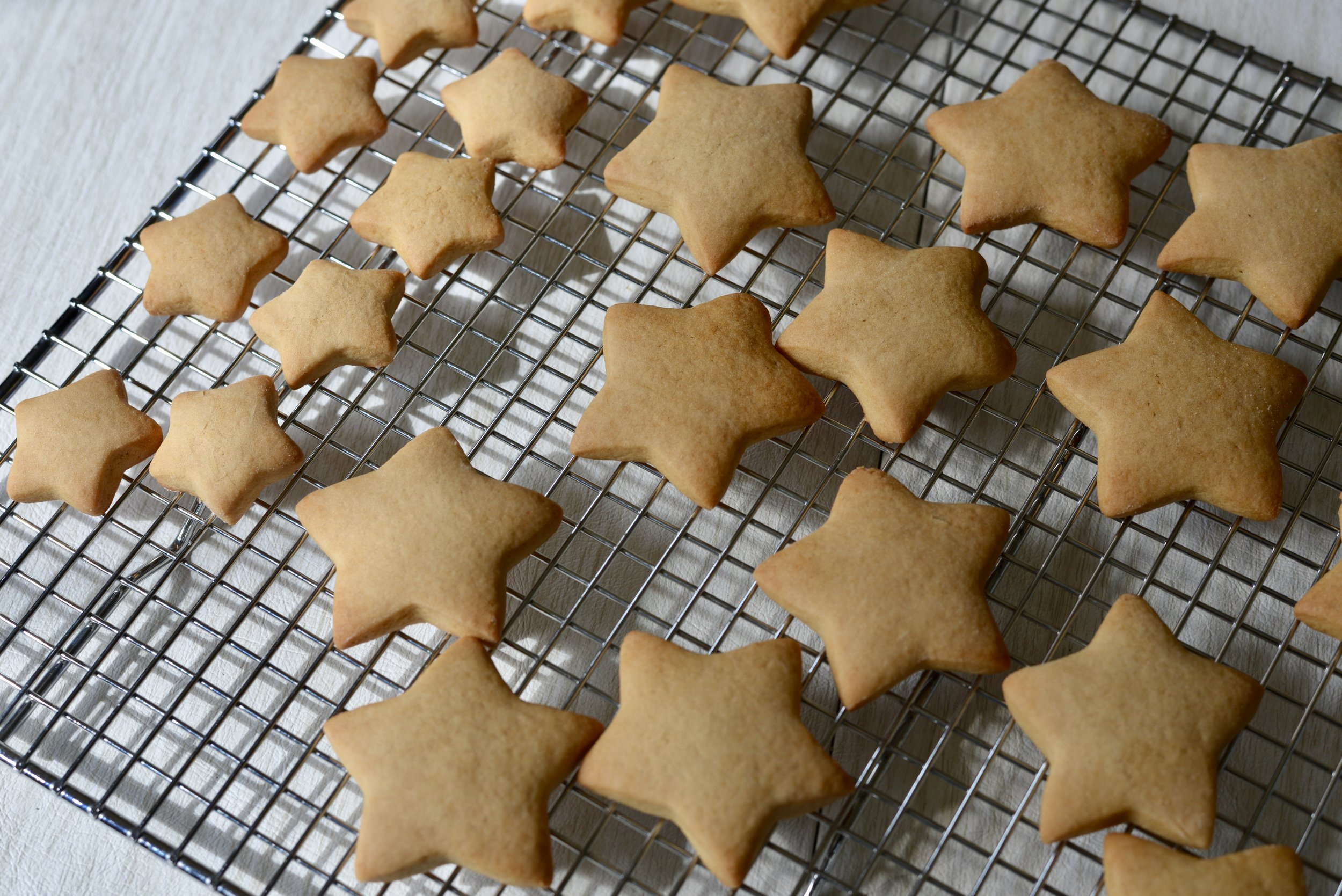 puffy-star-cookies-ready-to-decorate-butteryum