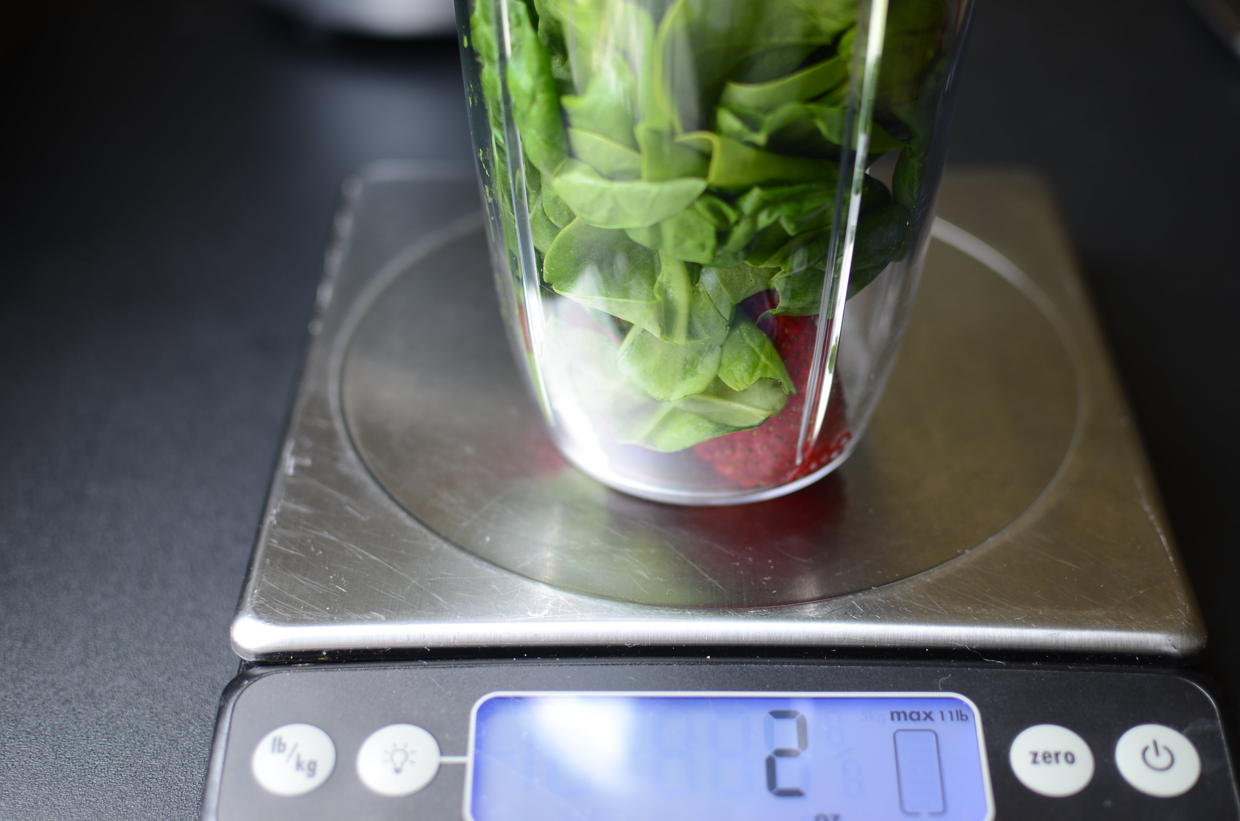 spinach-and-strawberry-smoothie-recipe-butteryum