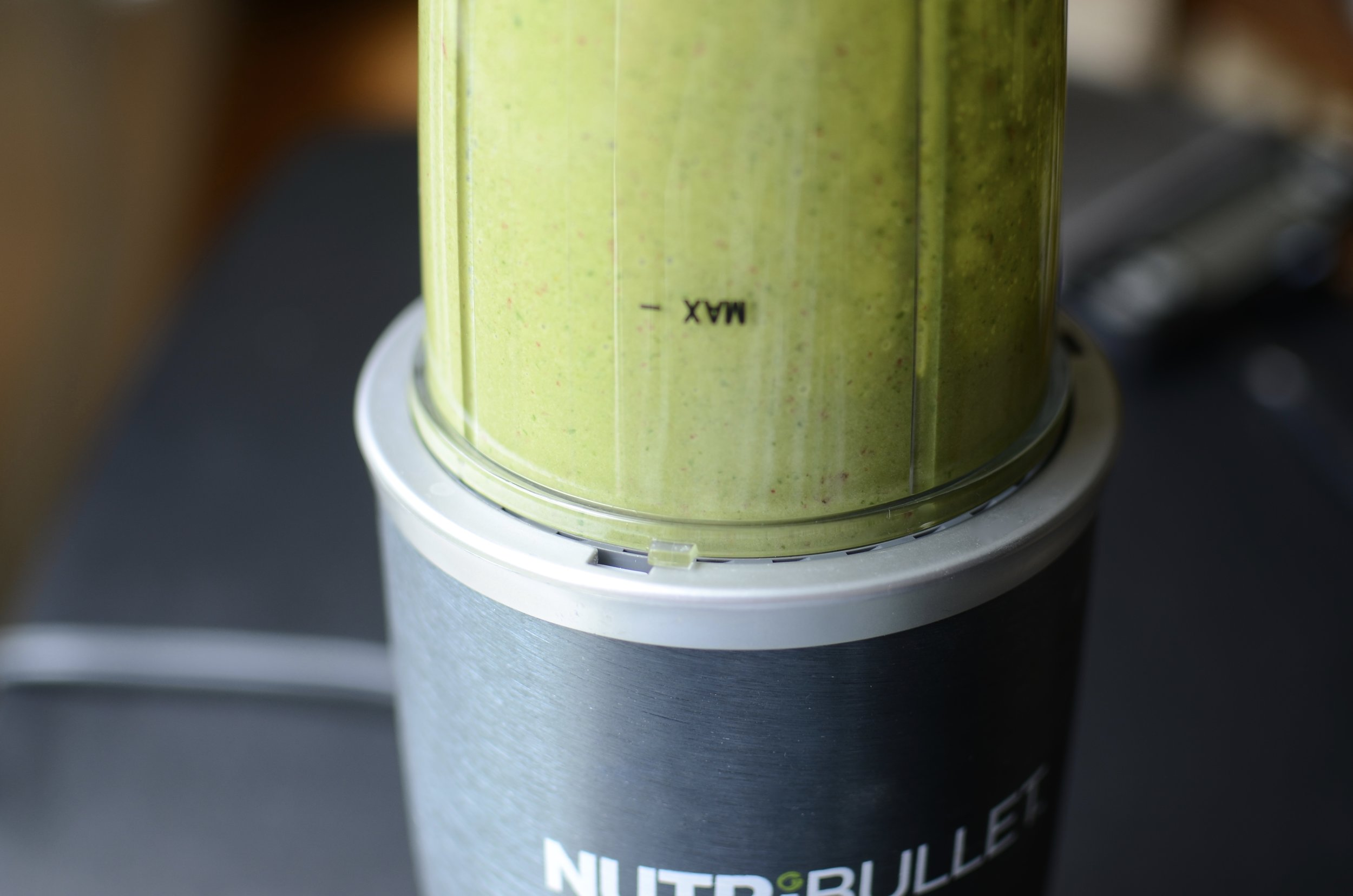 delicious-spinach-strawberry-smoothie-butteryum