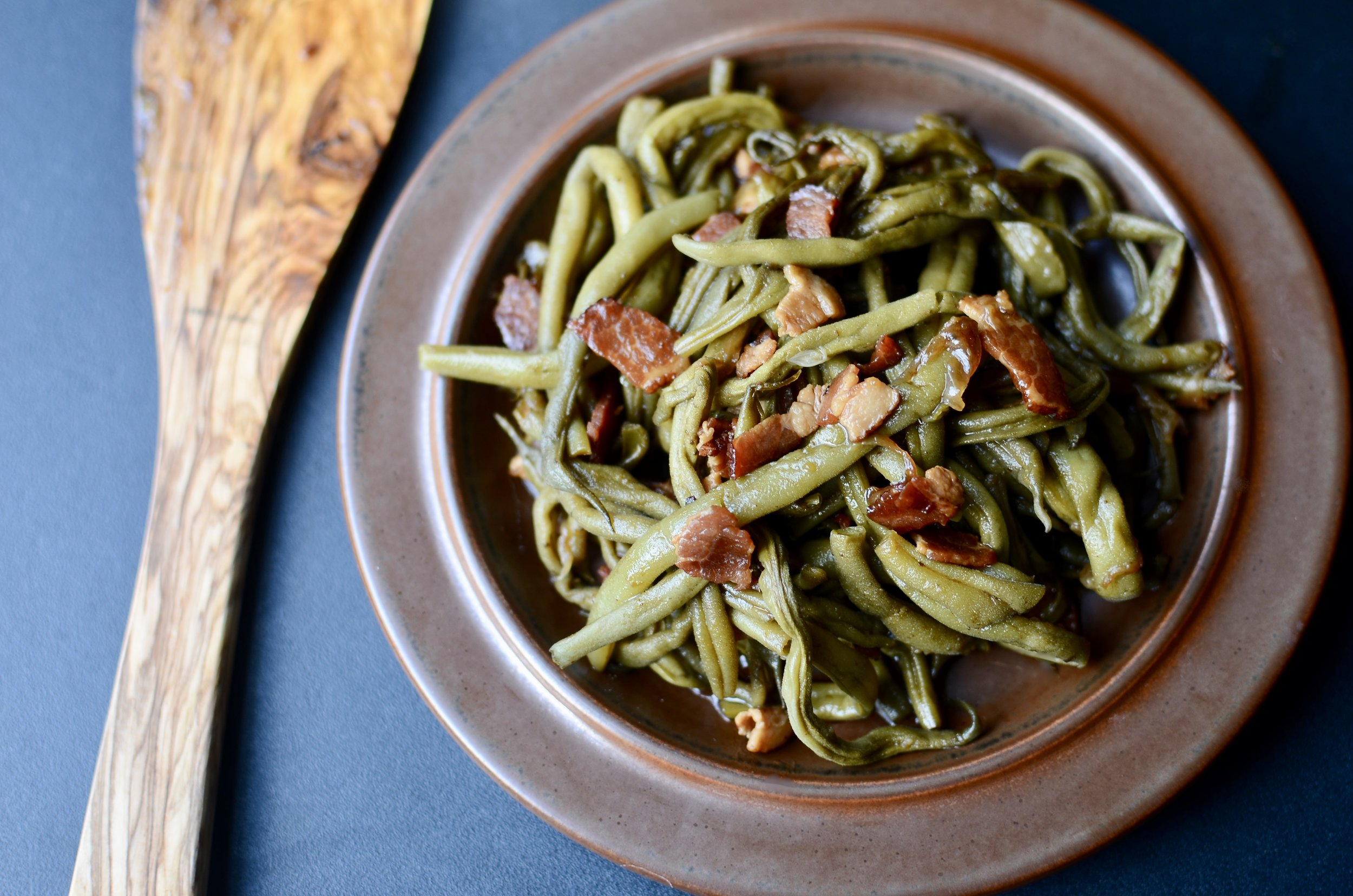mommas-southern-style-green-beans-with-bacon-butteryum