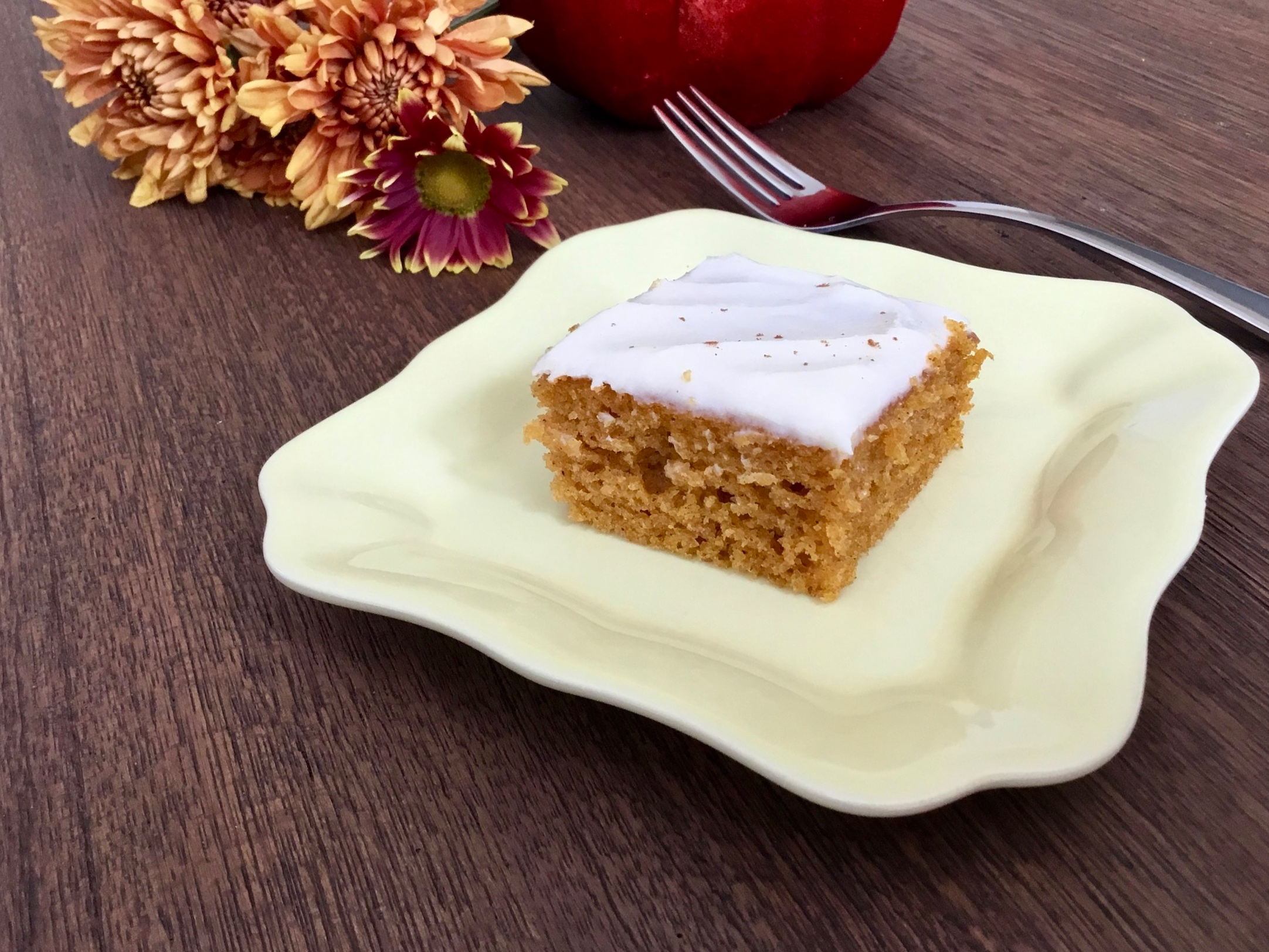 pumpkin-bars-with-cream-cheese-frosting-butteryum