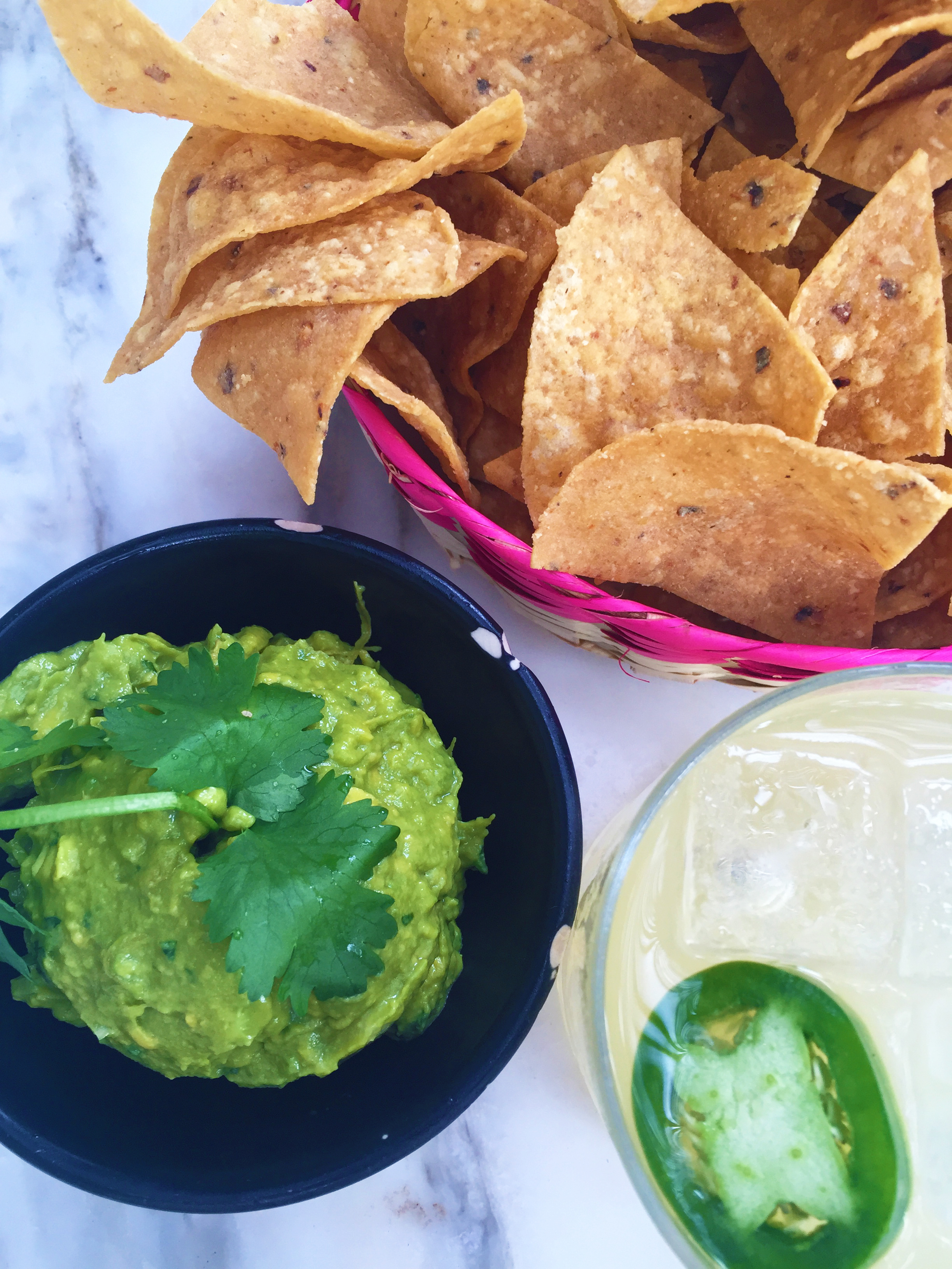 GUACAMOLE CON TORTILLAS - mashed avocado - cilantro - onion - chile - lime - housemade chips