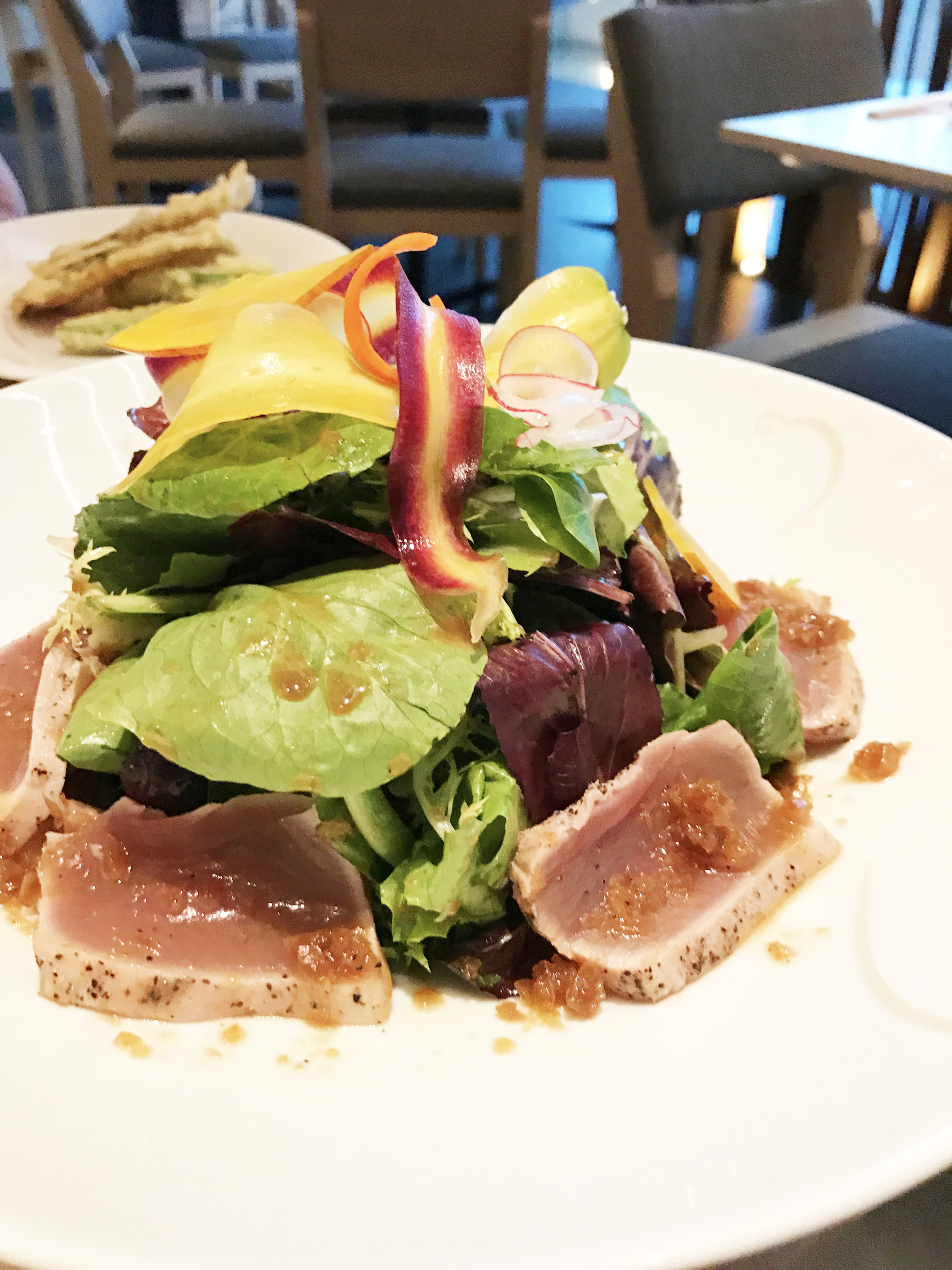 Tuna Tataki Salad on Tosazu