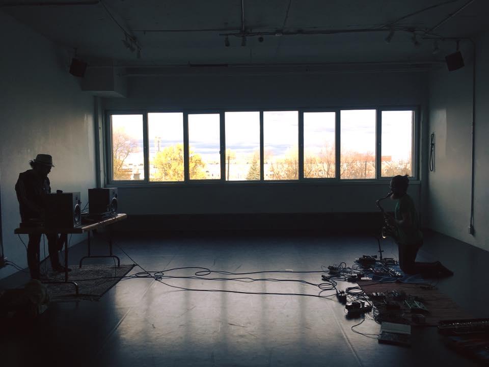 Répétitions en cours avec nos pédales pour Half-Basement avec compositeur Fernando Alexis