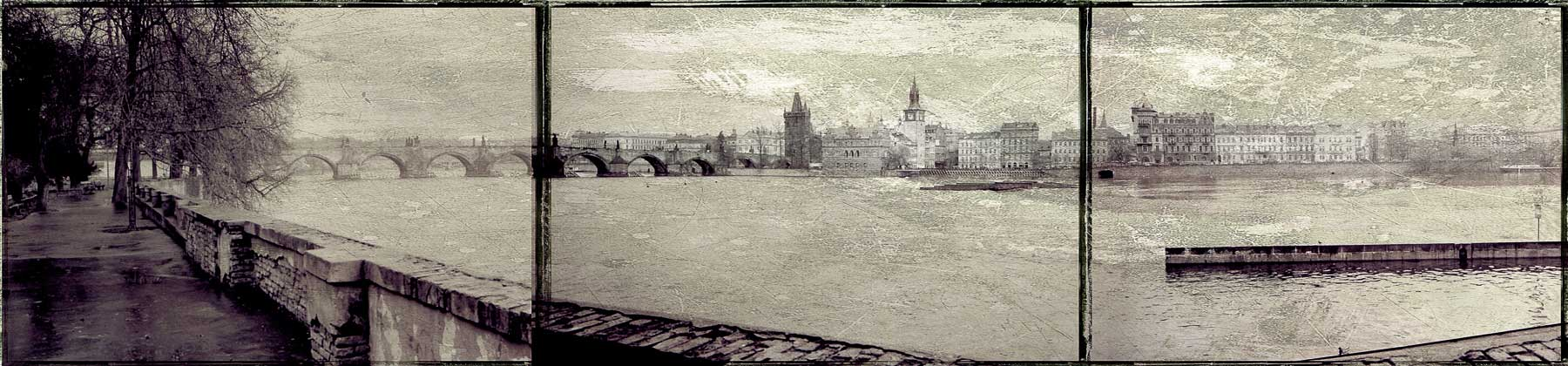 Charles_bridge_panoramic_V1.jpg