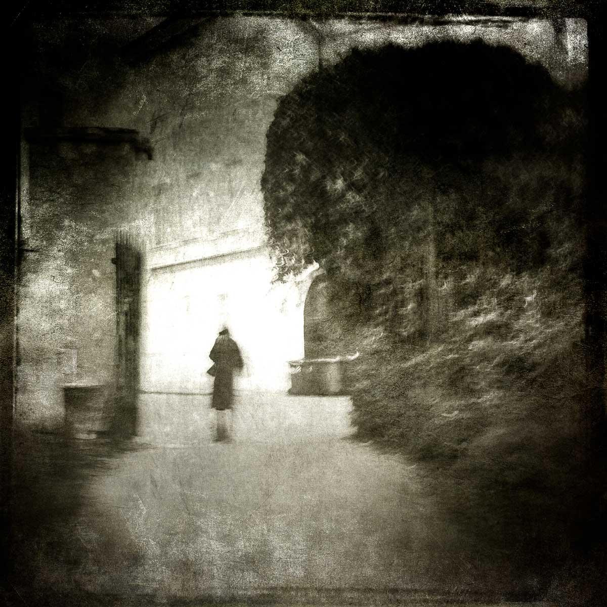 OldWoman_leaving_the_park.jpg