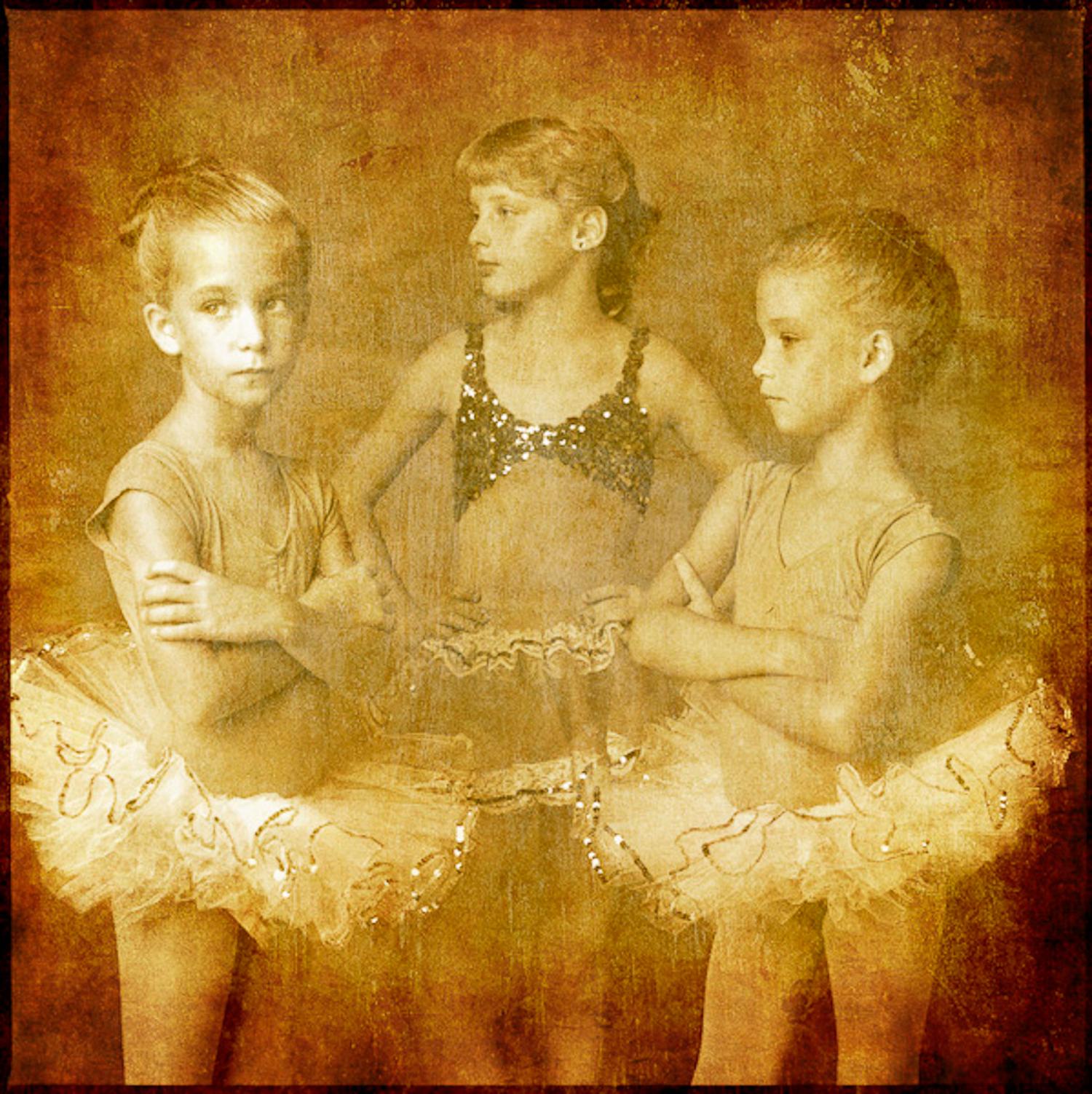 Ballerinas_V1.jpg