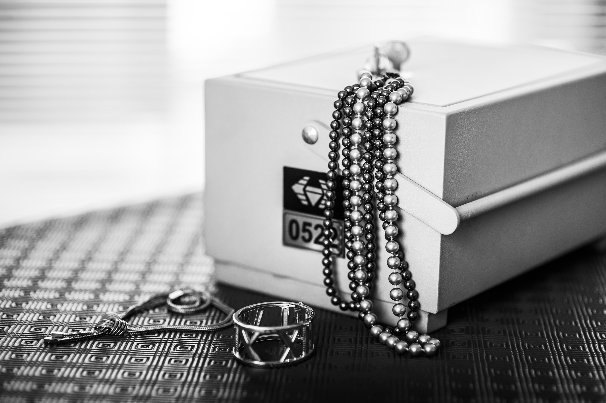 Mobile Safe Deposit Box: Small Size